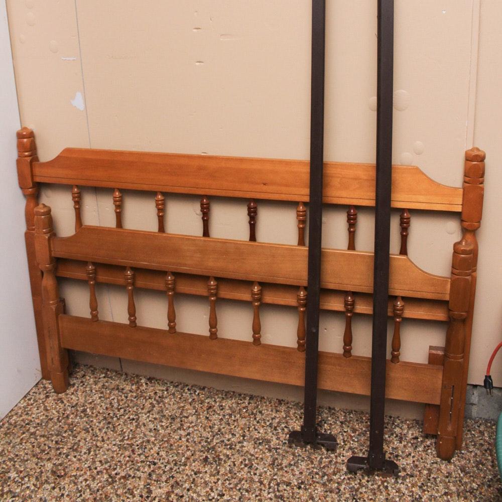 Vintage Bassett Furniture Maple Full Size Bed