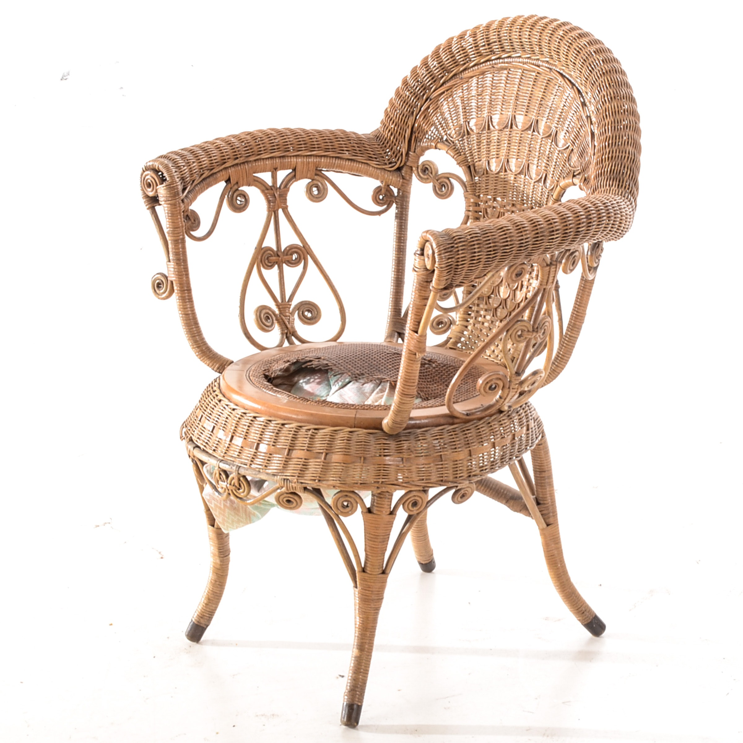 Antique Labeled Heywood-Wakefield Wicker Chair