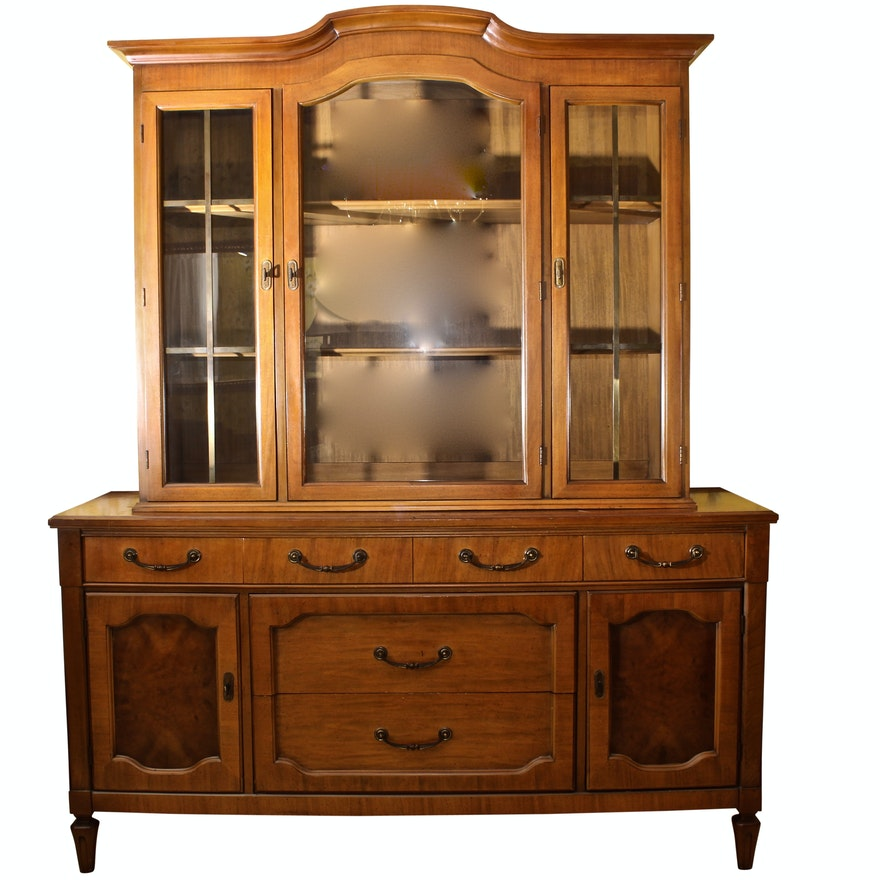 Mt Airy Furniture Maple Glass Door China Cabinet Ebth