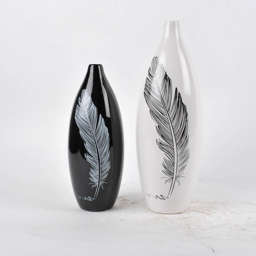 Contemporary Black And White Ceramic Vases Featuring A Single