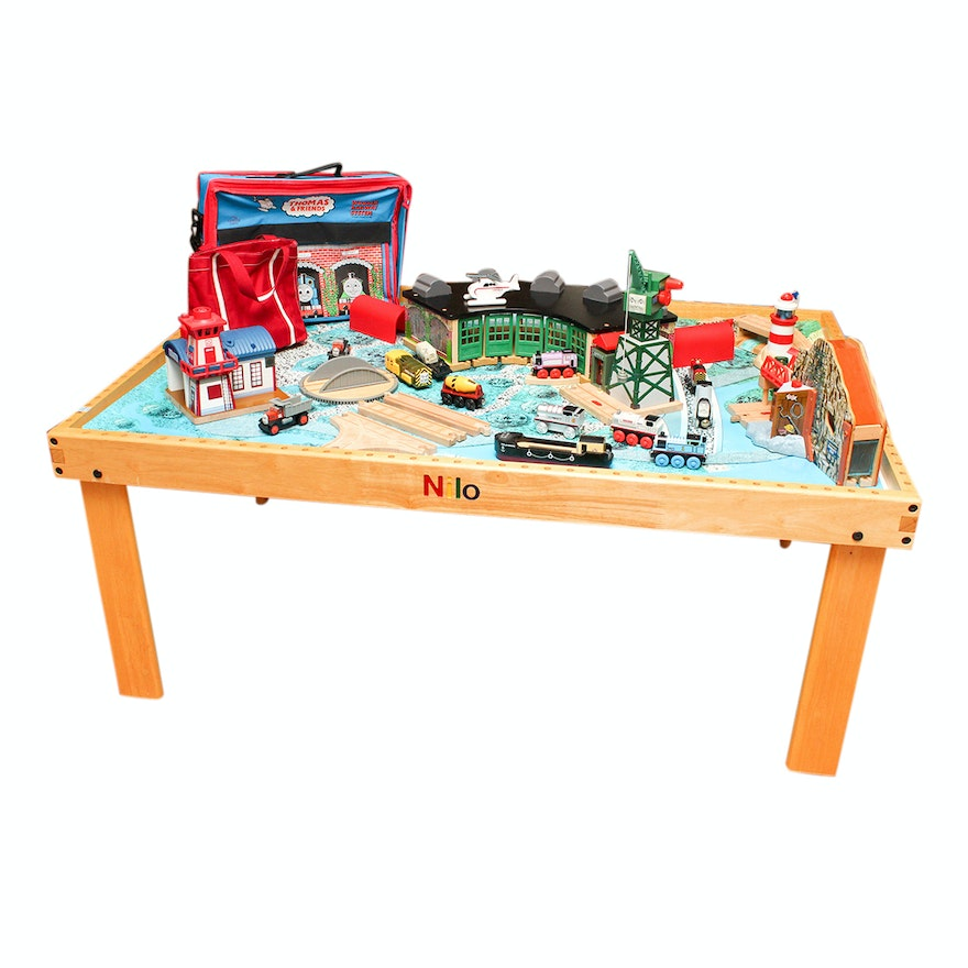 Nilo Wooden Train Table and Thomas & Friends Wooden Train Set : EBTH