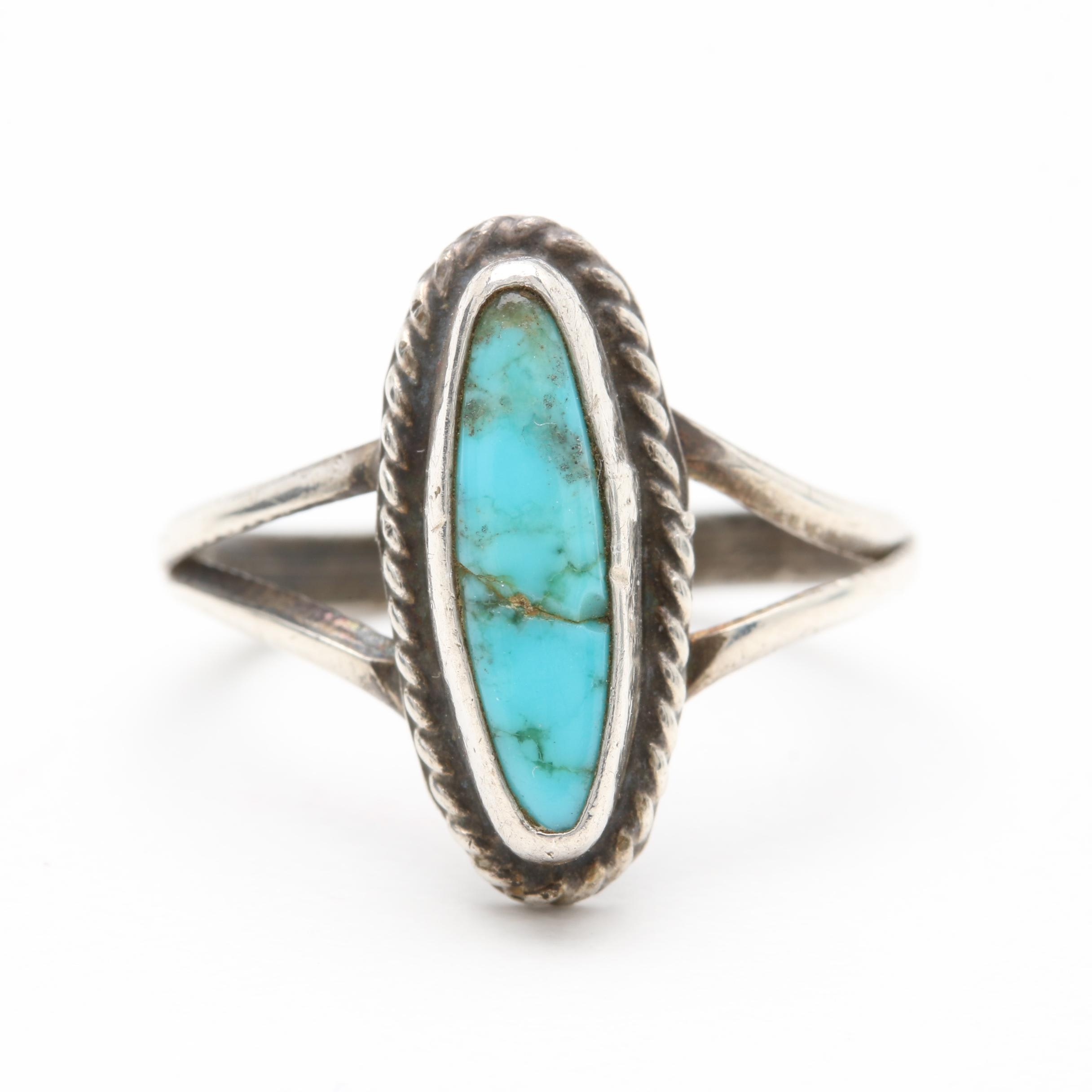 Vintage Southwest Style Sterling Silver Turquoise Ring