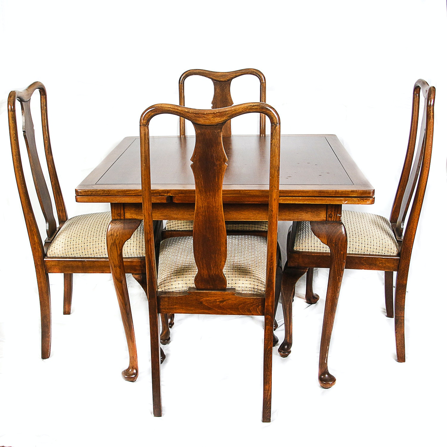 Queen Anne Style Extendable Table with Side Chairs