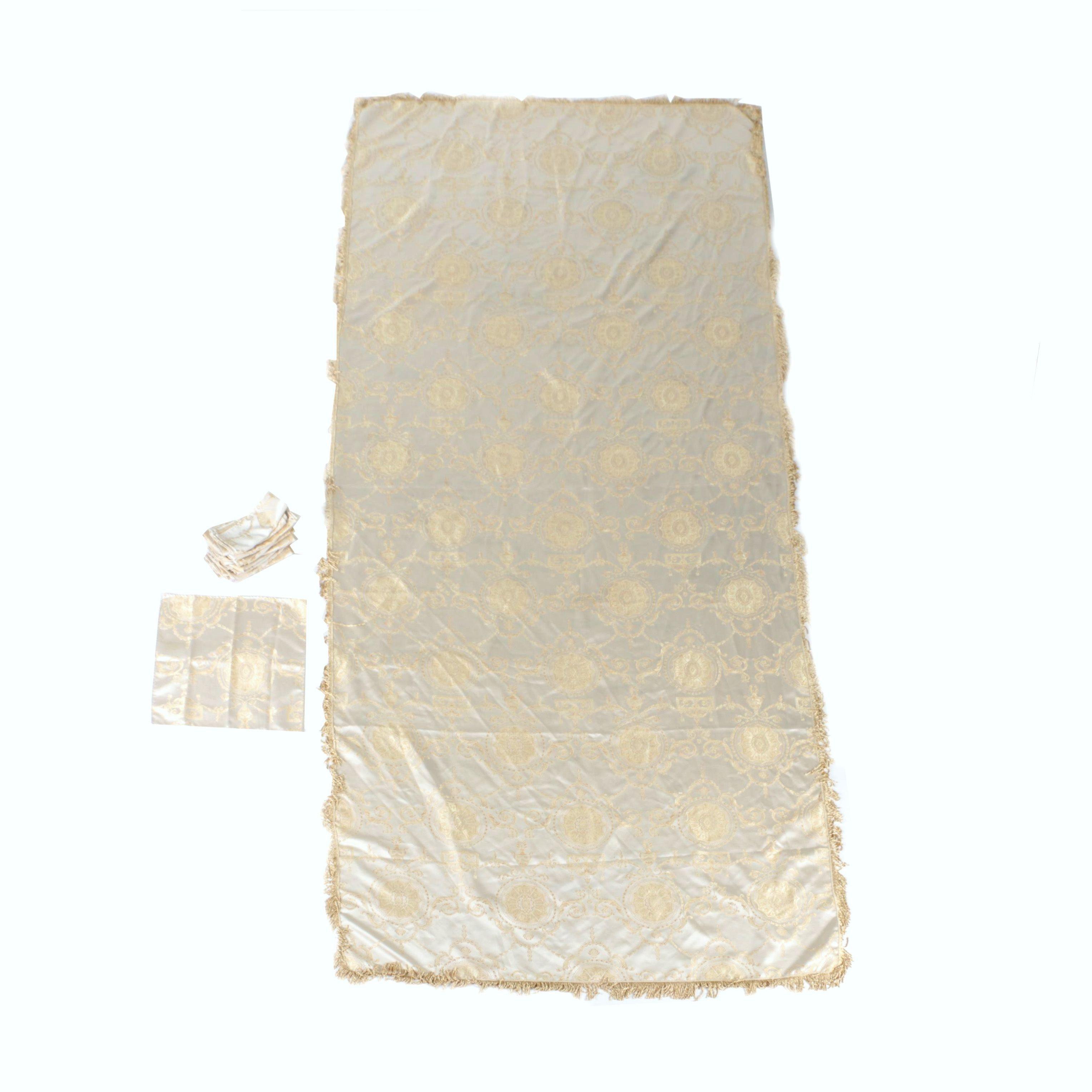 Violet Damask Table Cloth and Napkin Set
