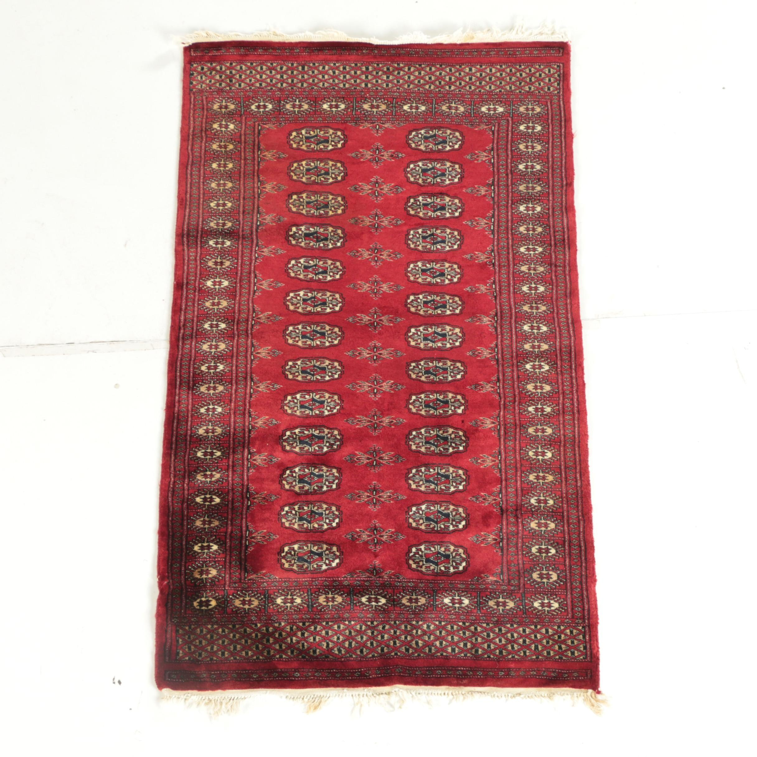 Finely Hand-Knotted Pakistani Bokhara Wool Accent Rug
