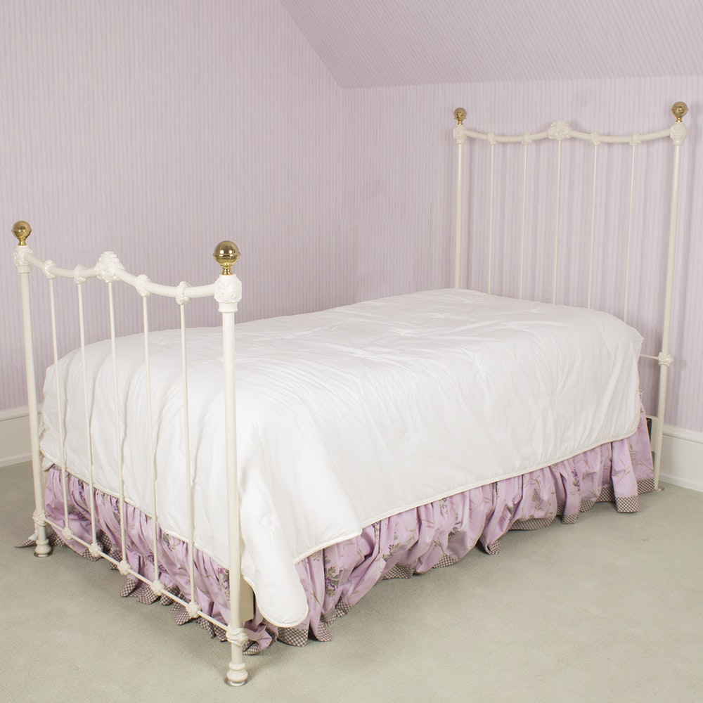 White Metal Spindle Twin Size Bed Frame