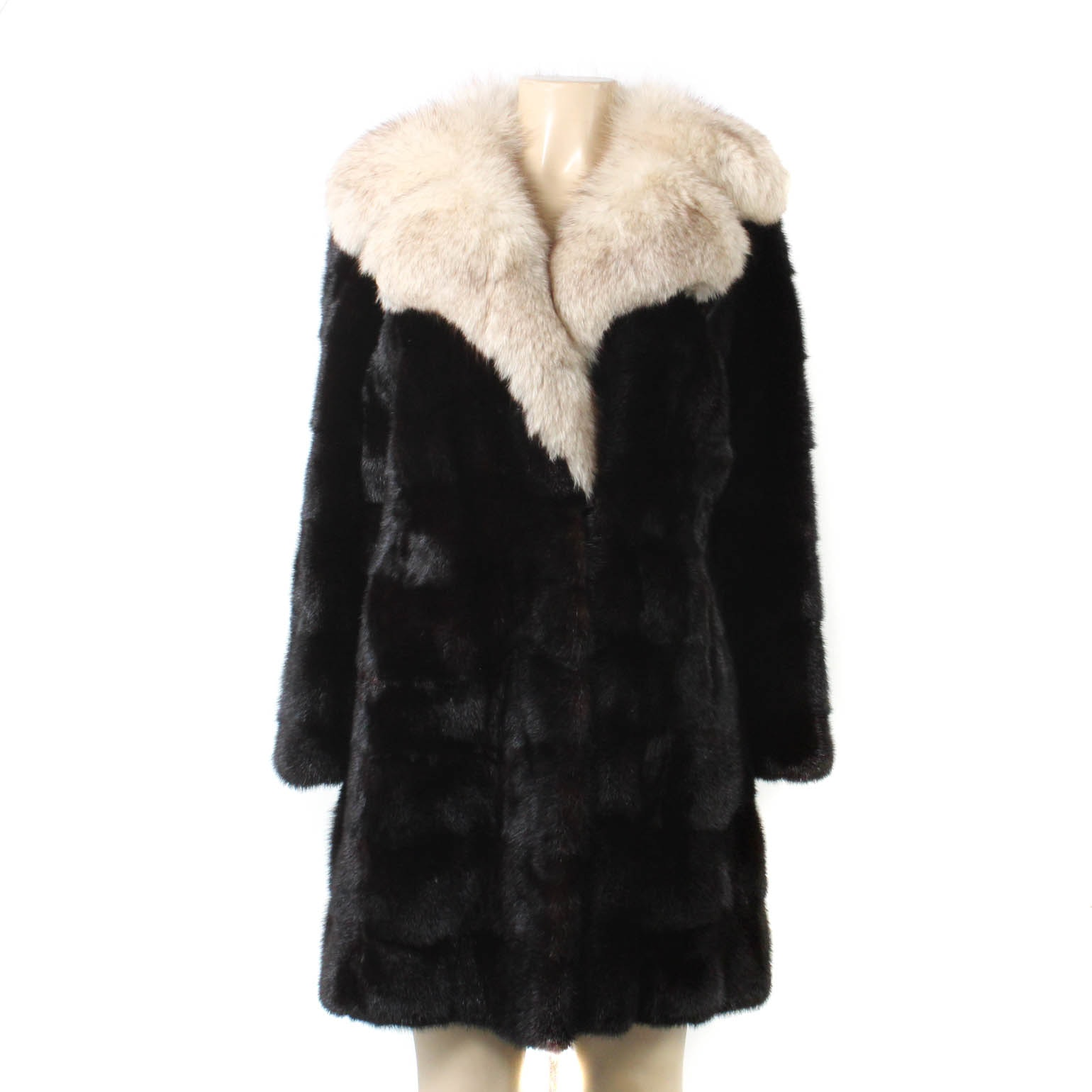 Ranch Mink Fur Coat with Blue Fox Fur Collar