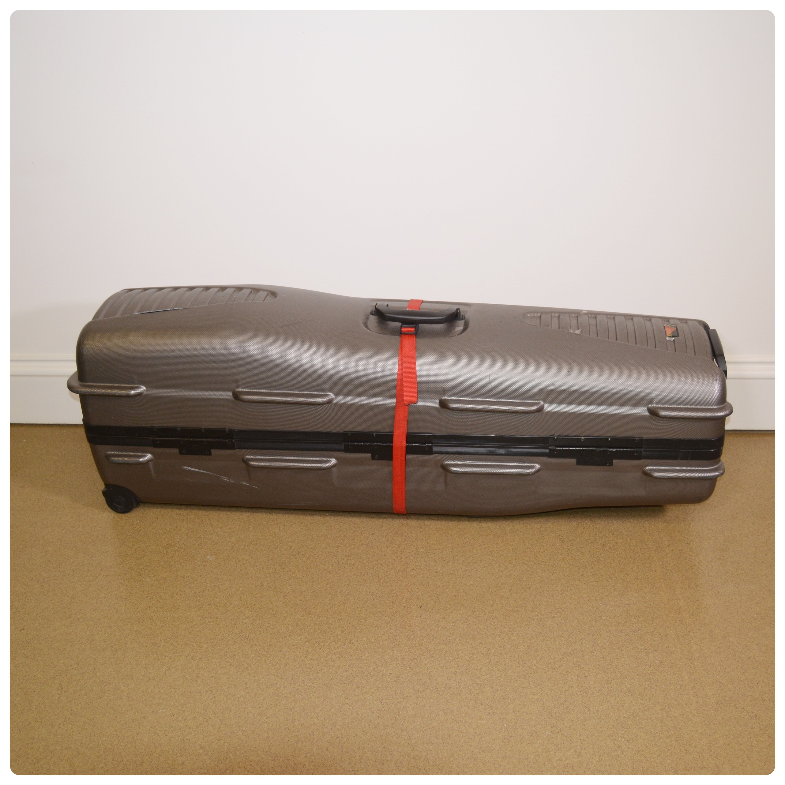 Datrek Hard Shell Golf Club Travel Case
