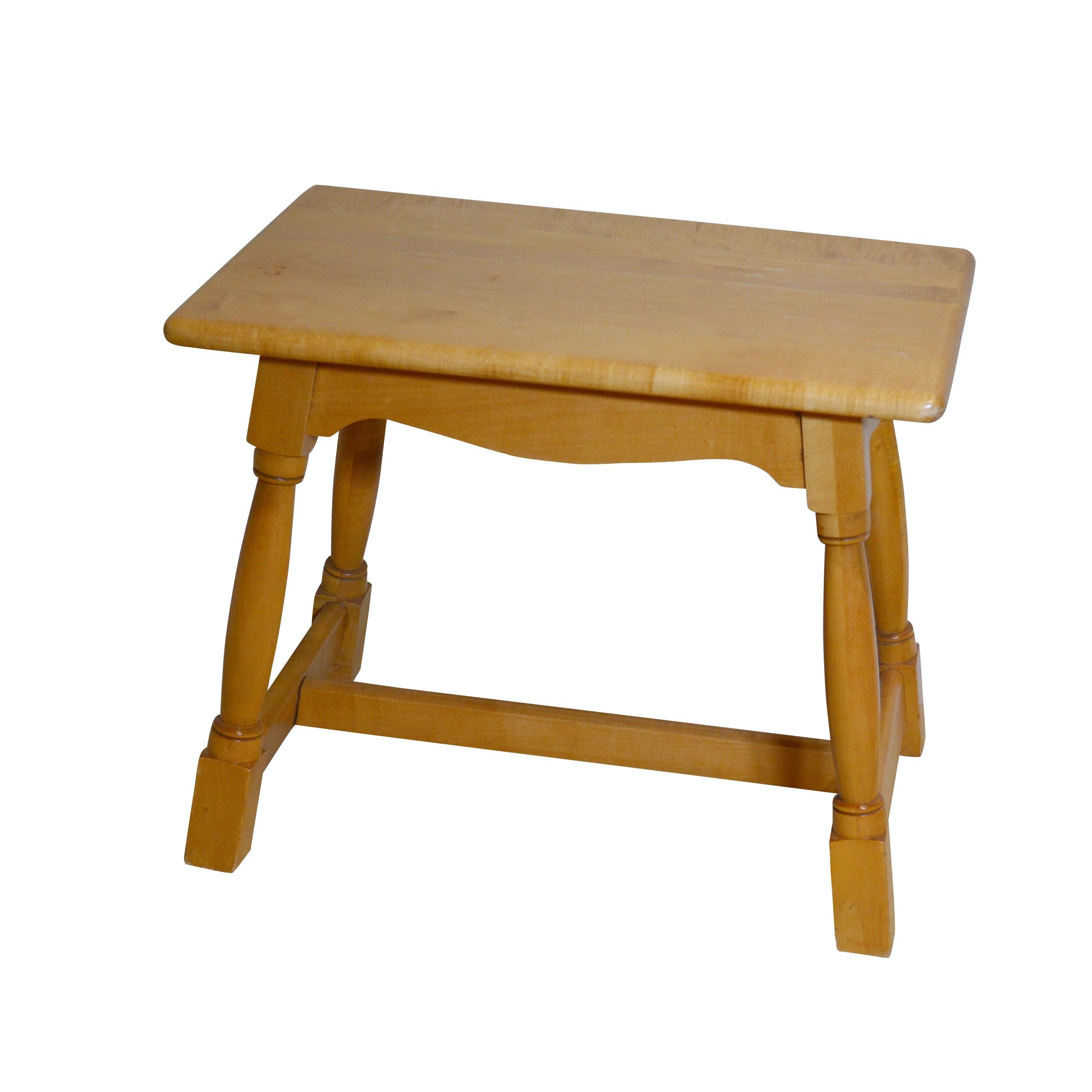 Willett Furniture Maple Bench