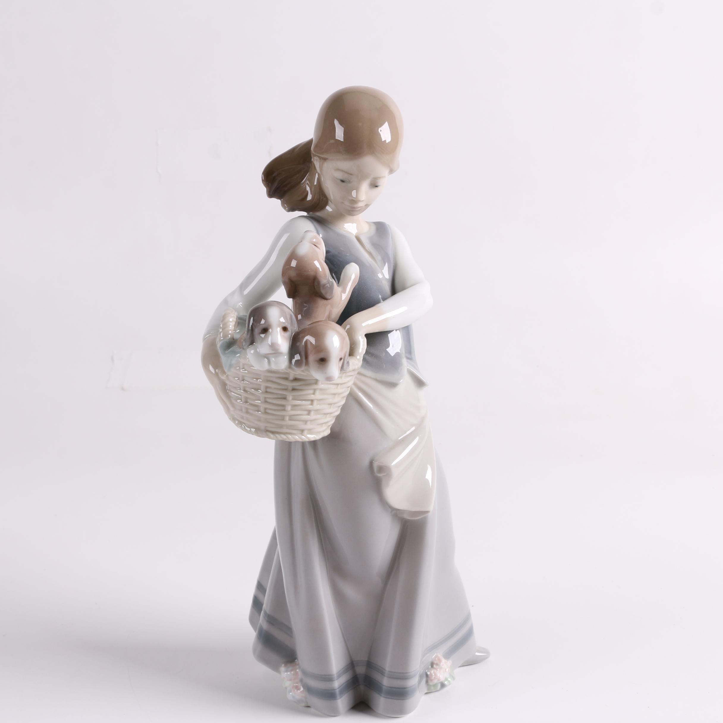 """Lladró """"Dogs On Hip"""" Porcelain Figurine"""