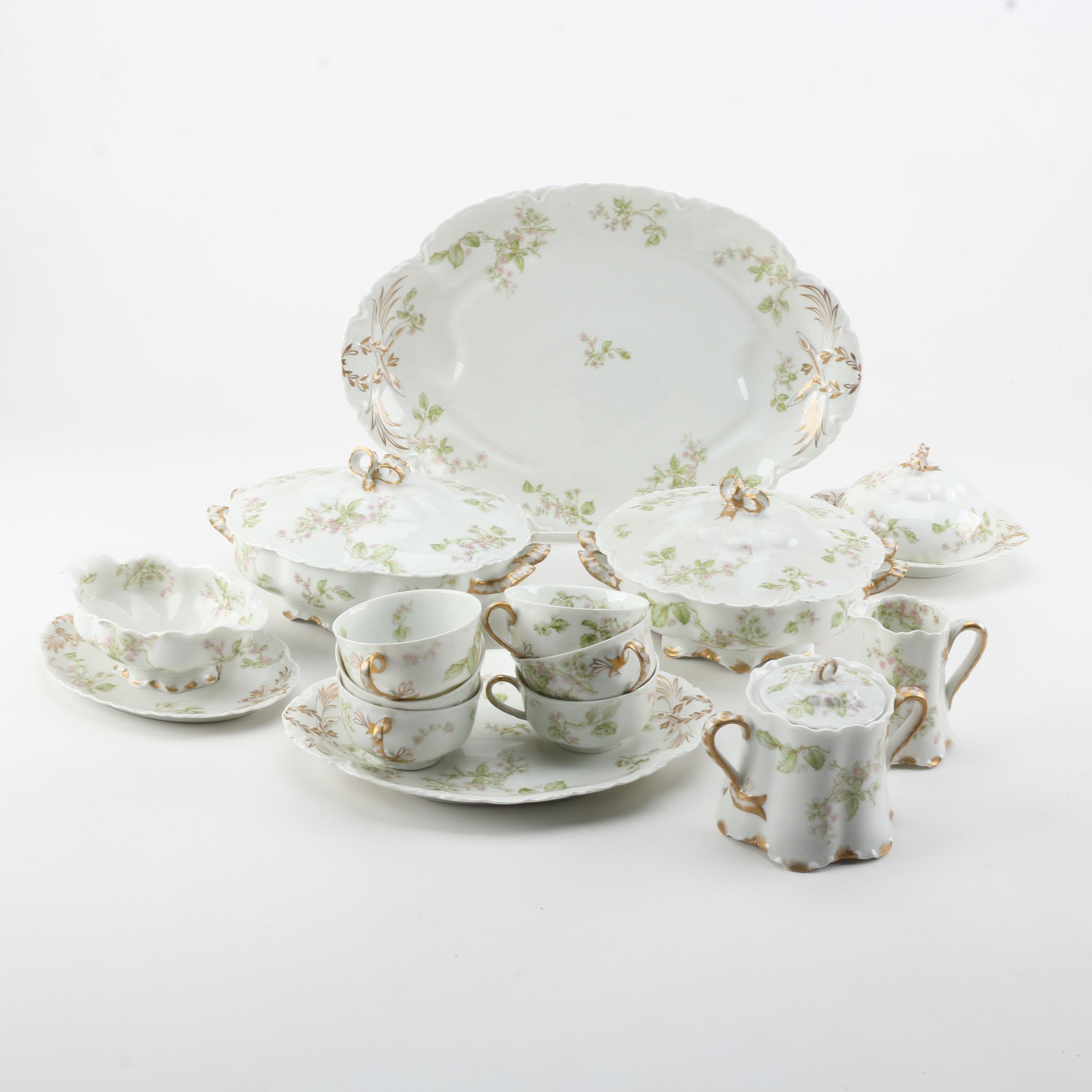 """Haviland & Co. """"Frontenac"""" Tableware,"""