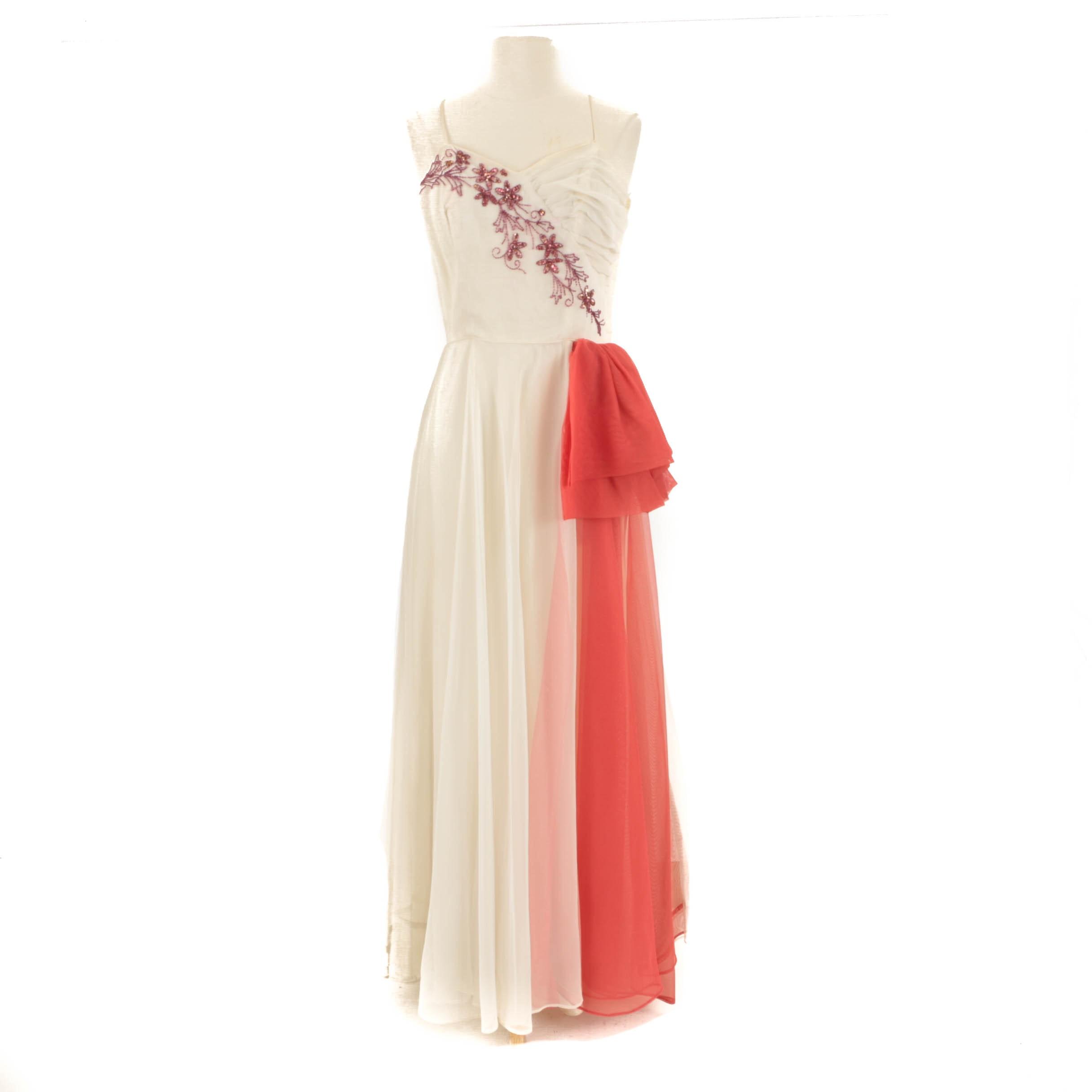 1950s Vintage Embellished Sleeveless Formal Dress