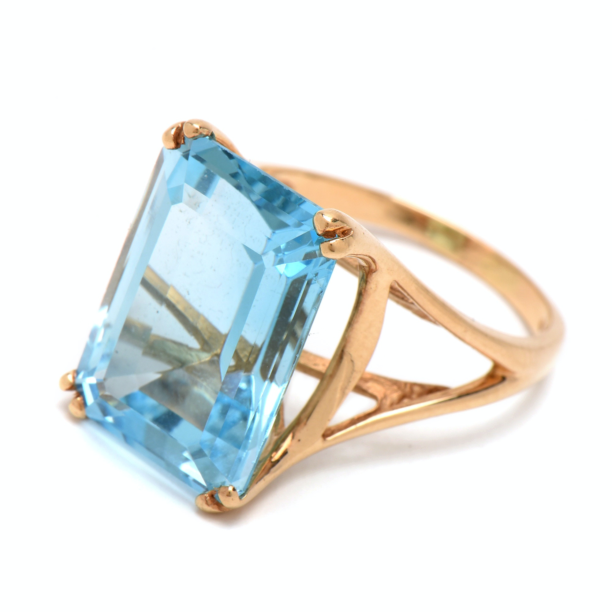 14K Yellow Gold 19.76 Carat Blue Topaz Statement Ring