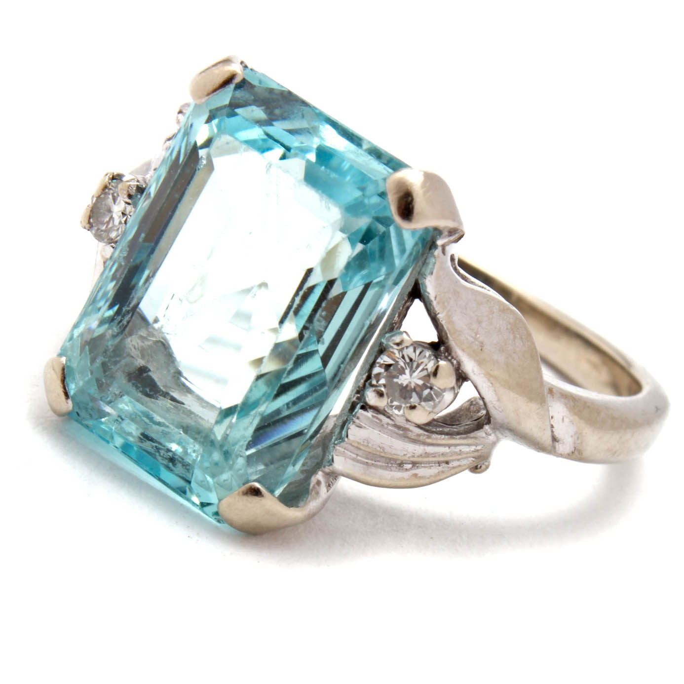 14K White Gold 5.00 CT Aquamarine and Diamond Ring