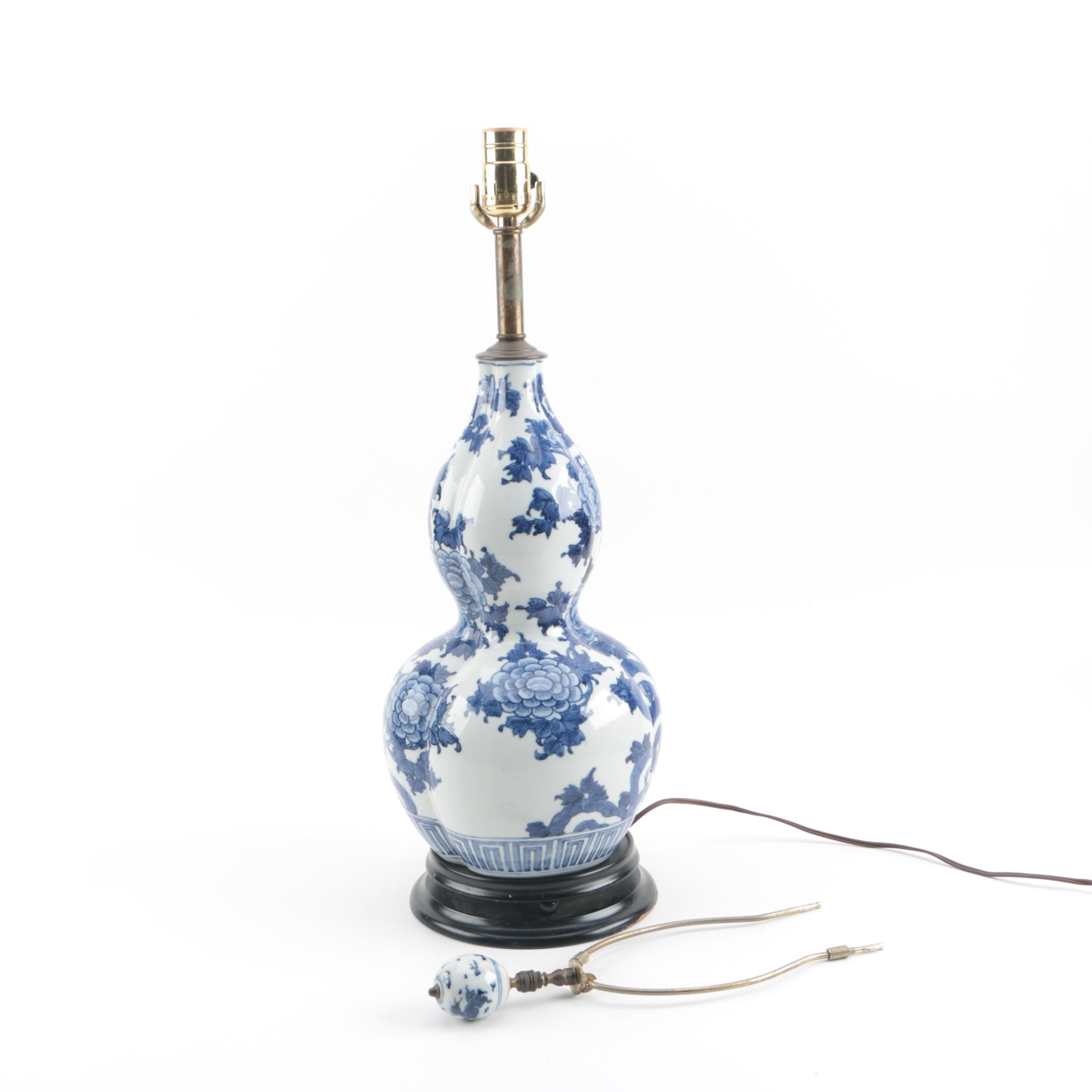 Chinese Double Gourd Blue and White Ceramic Table Lamp