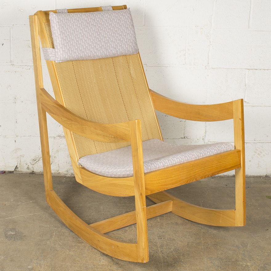 Super Mid Century Modern Rocking Chair By Paoli Chair Company Gmtry Best Dining Table And Chair Ideas Images Gmtryco