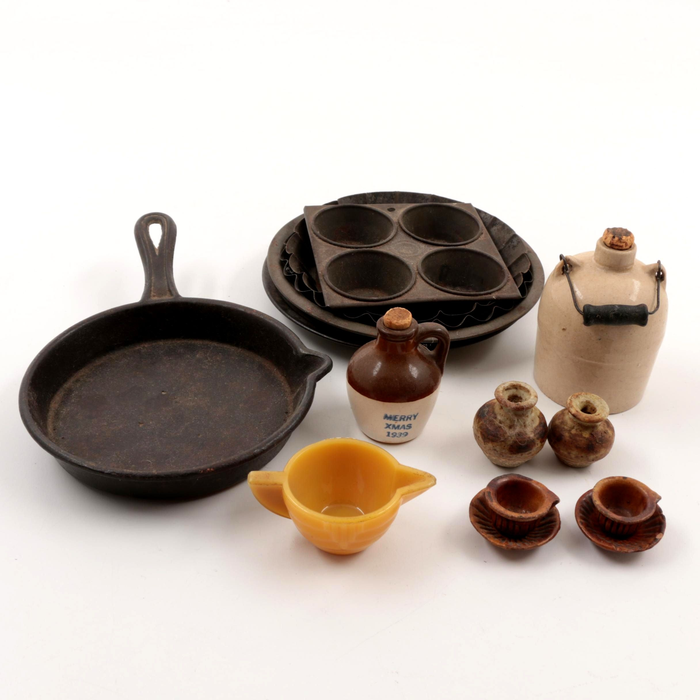 Vintage Stoneware and Cast Iron Cookware, Bakeware, and Food Storage
