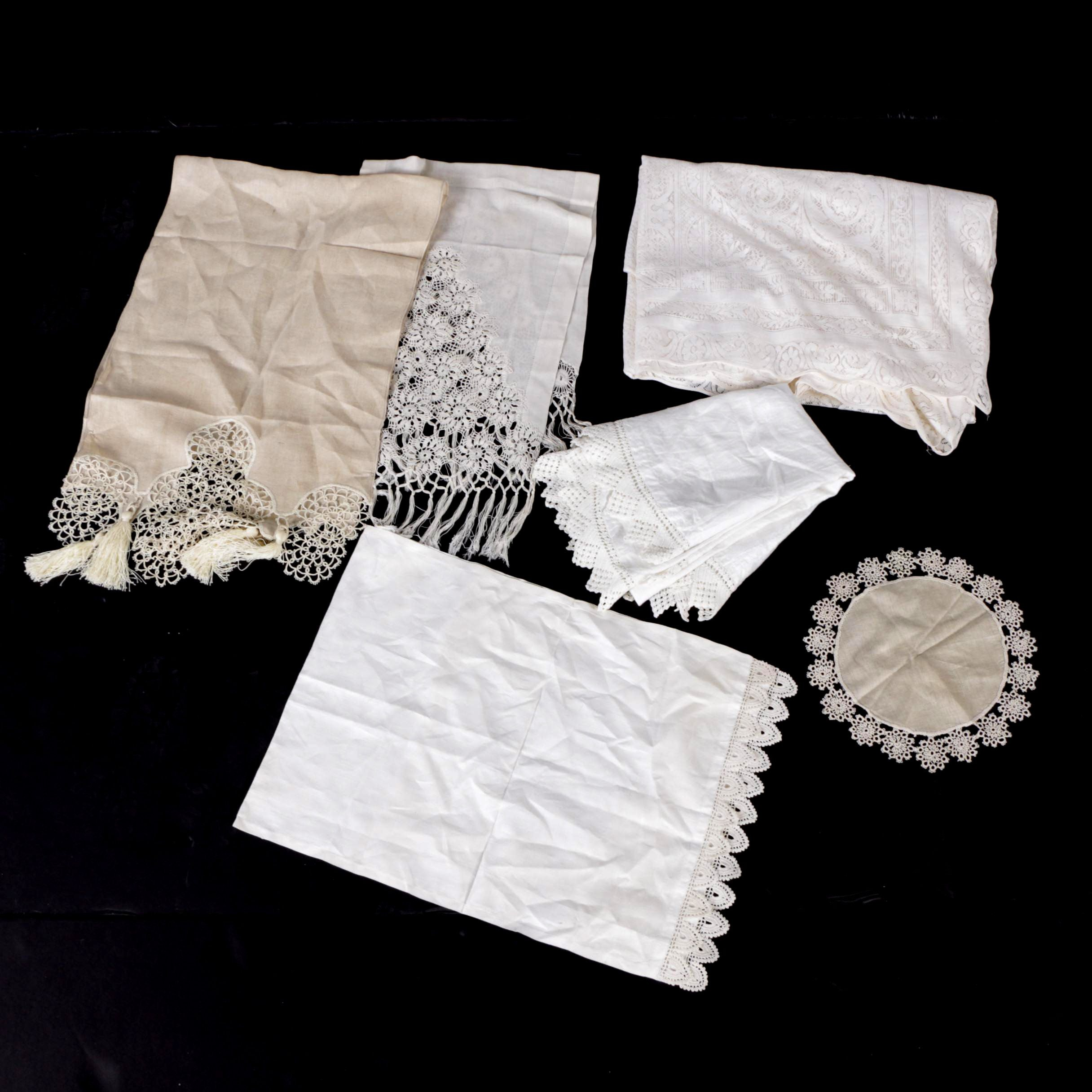 Lace-Trimmed Tablecloths, Table Runners, and Doilie