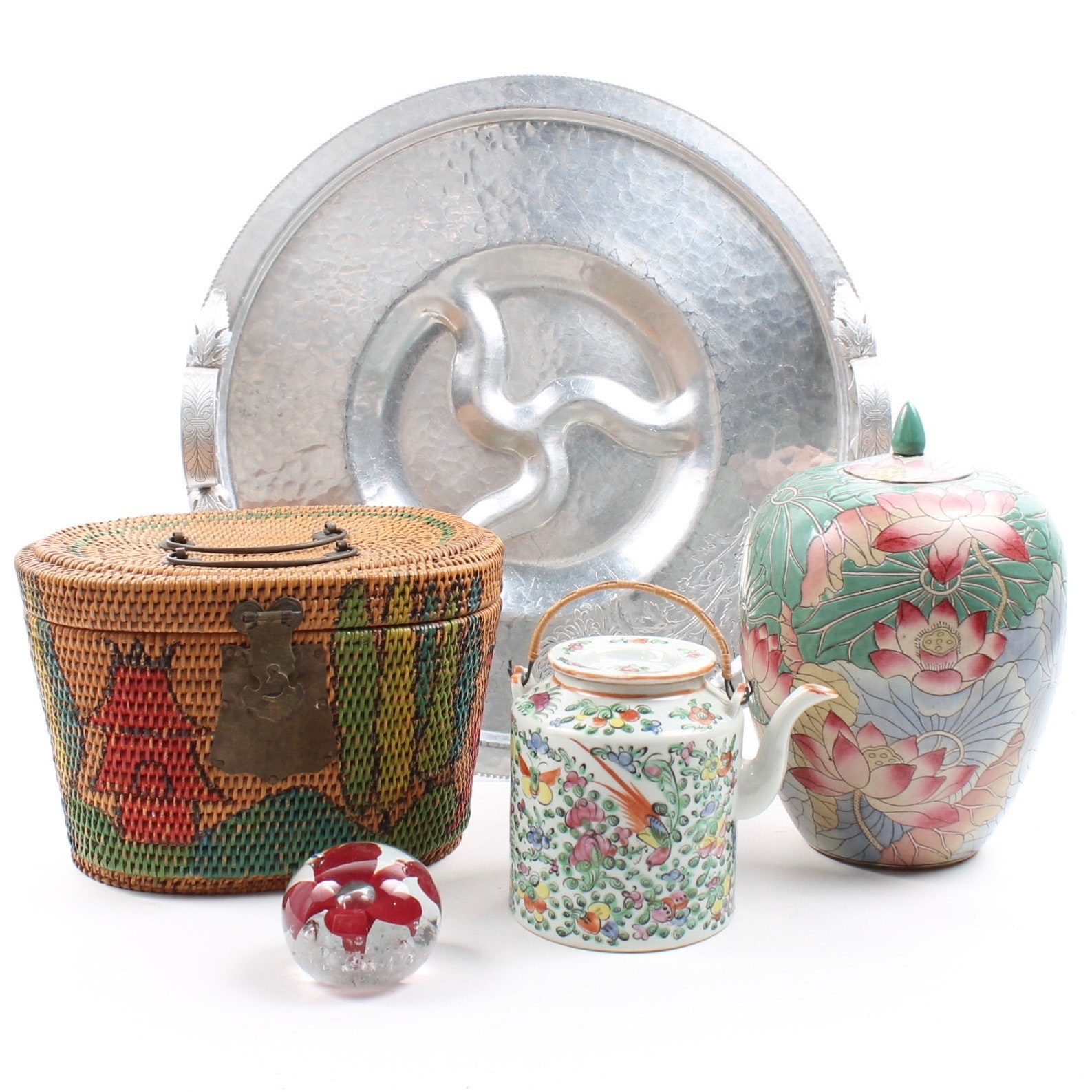 Decorative Collectibles Featuring a Chinese Export Teapot and Case