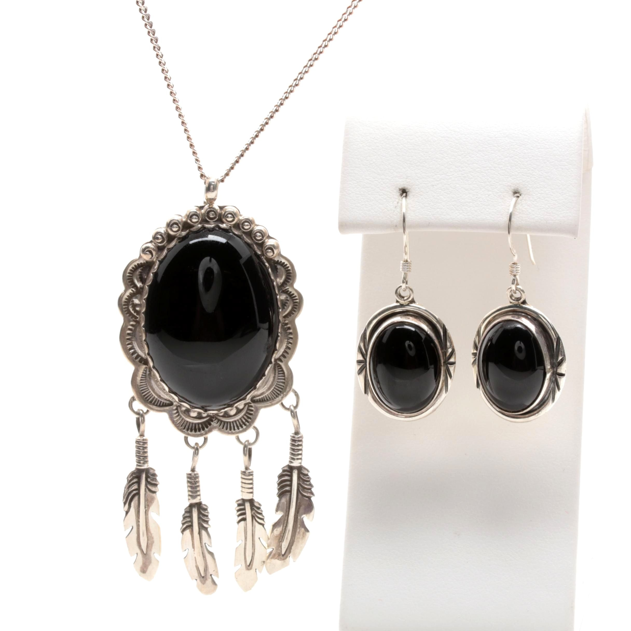 Southwest Style Sterling Silver Black Onyx Jewelry Featuring Gilbert Tom