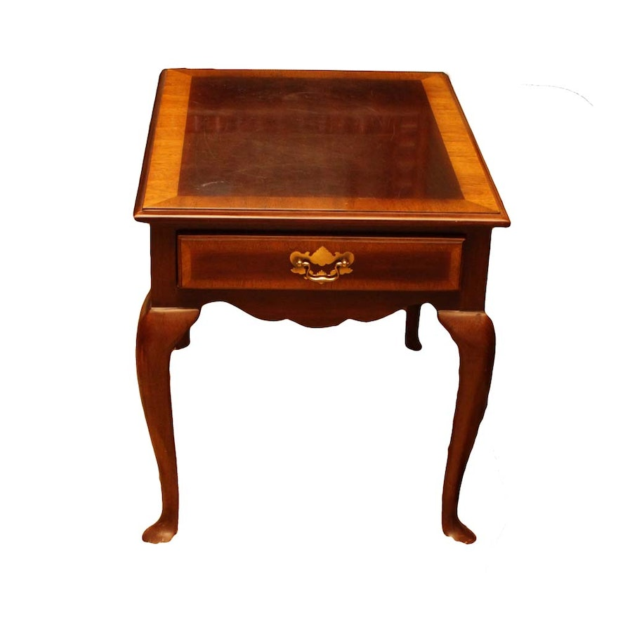 Sherrill Furniture Queen Anne Cherry Accent Table