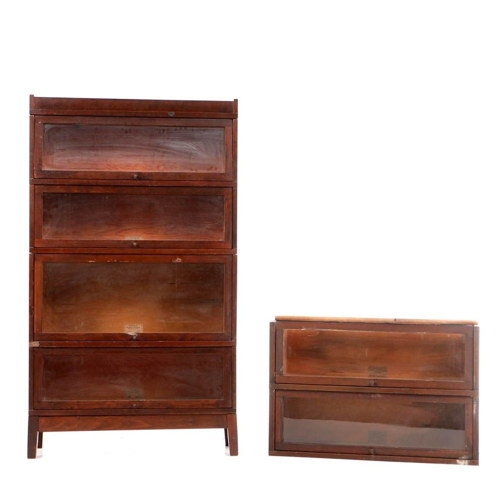 Early 20th Century Globe-Wernicke Barrister's Bookcase with Two Wider Sections