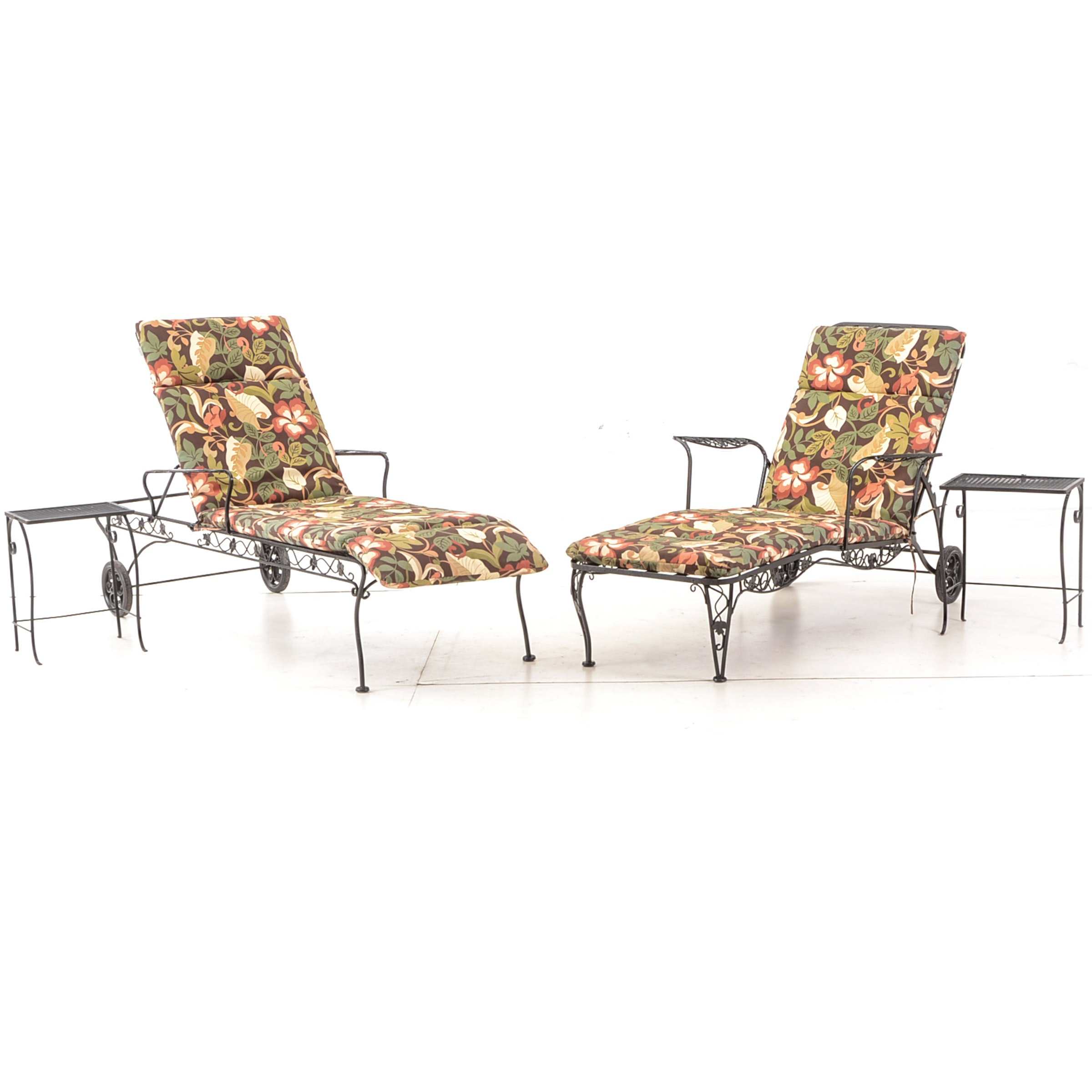 Metal Lounge Chairs and Side Tables with Solarium Outdoor Cushions