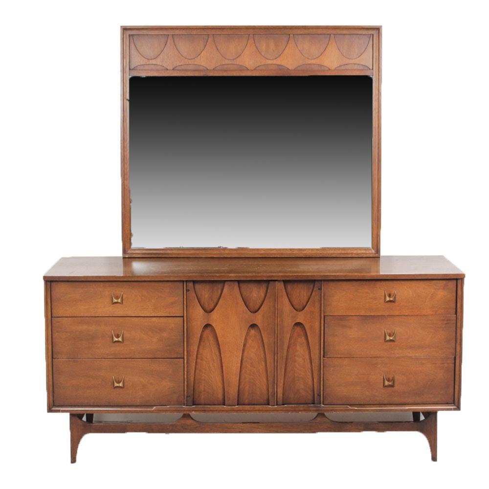 "Mid-Century Modern Dresser ""Brasilia"" by Broyhill"