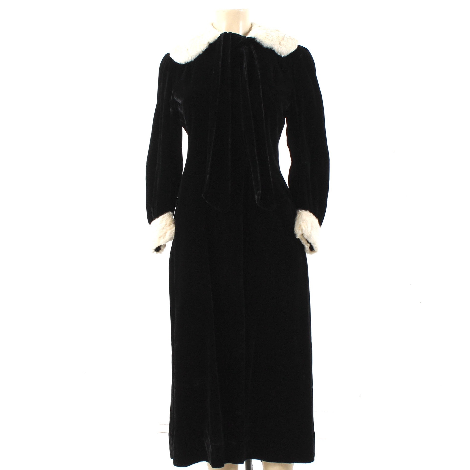 Circa 1935 Vintage Rabbit Fur Trimmed Black Velvet Coat