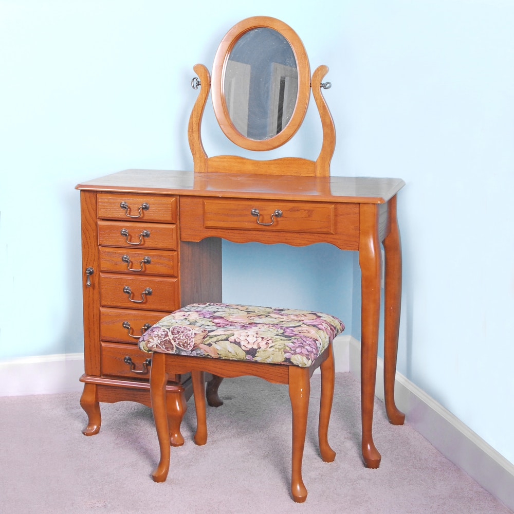 Ordinaire Queen Anne Style Oak Vanity With Mirror And Bench By Powell