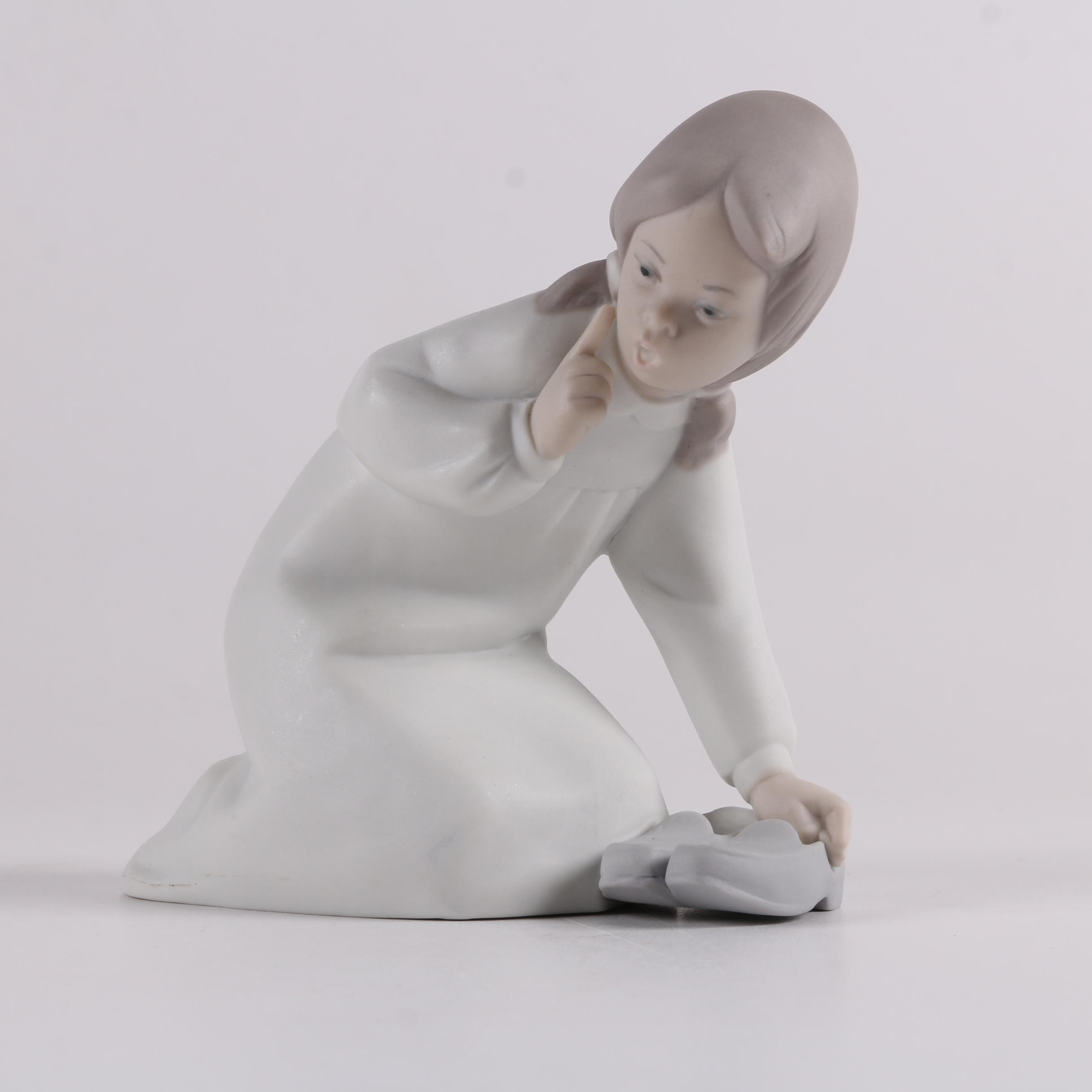 """Lladro """"Girl with Slippers"""" Bisque Figurine"""