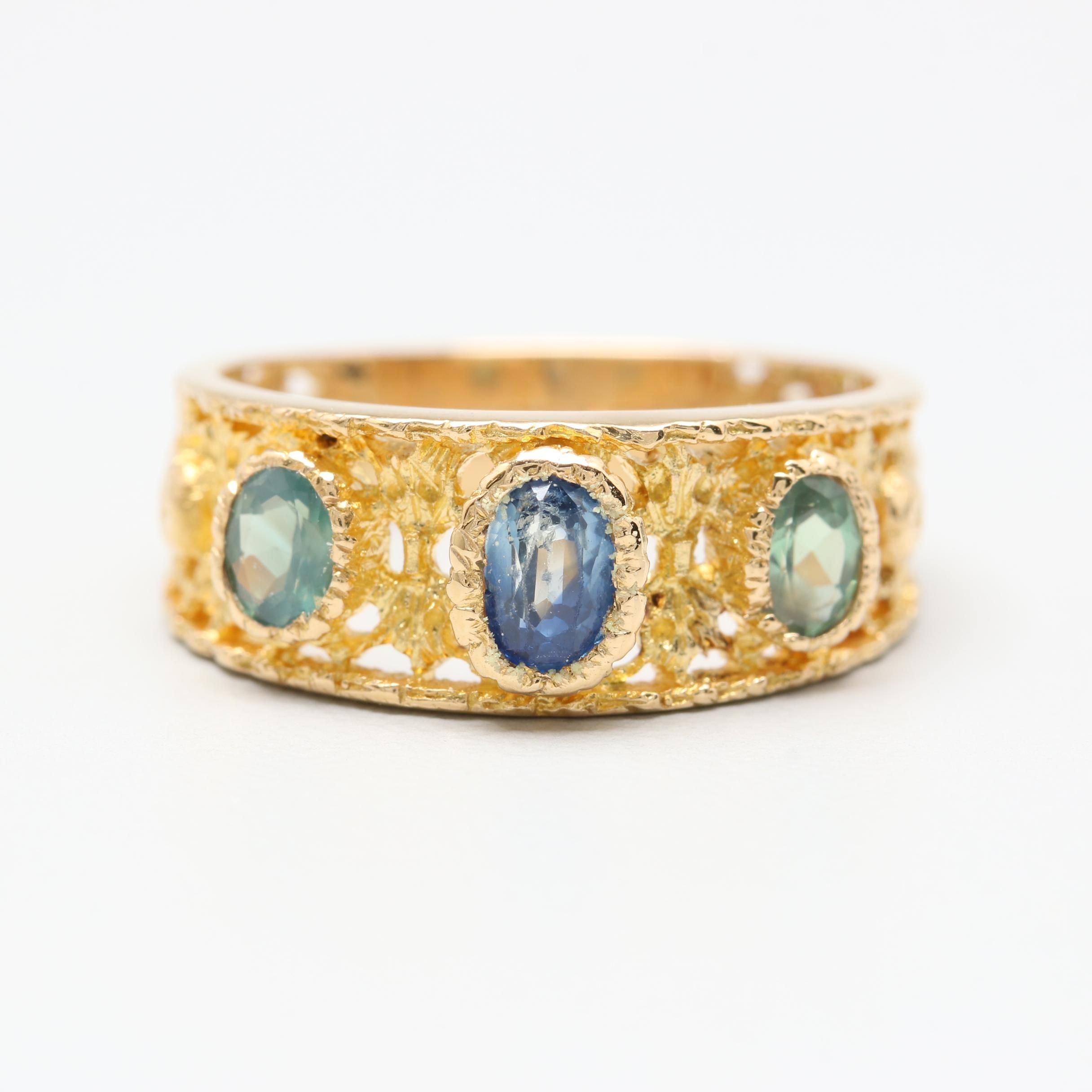 18K Yellow Gold Sapphire and Alexandrite Ring