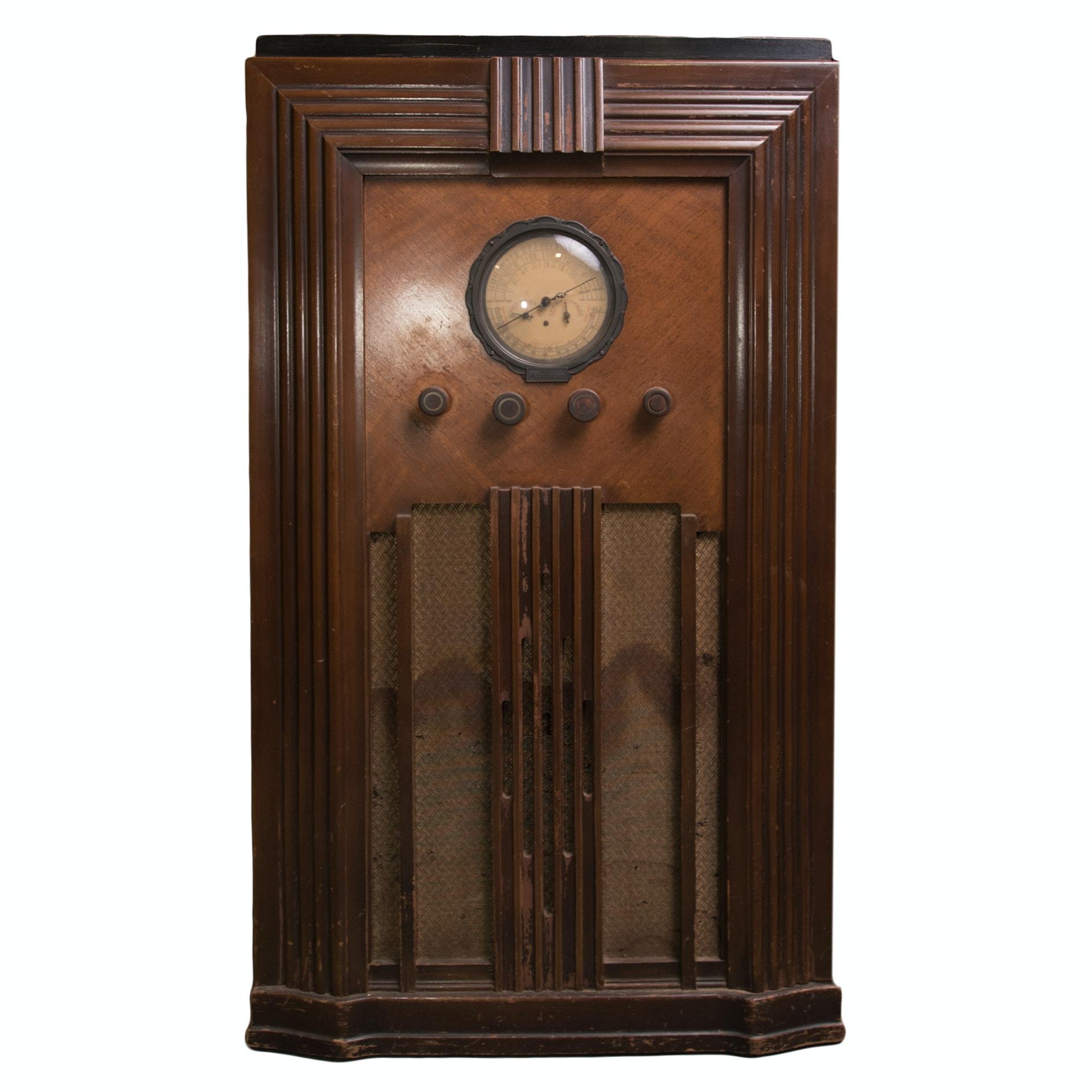 Vintage Ward's Airline Superheterodyne Cabinet Radio
