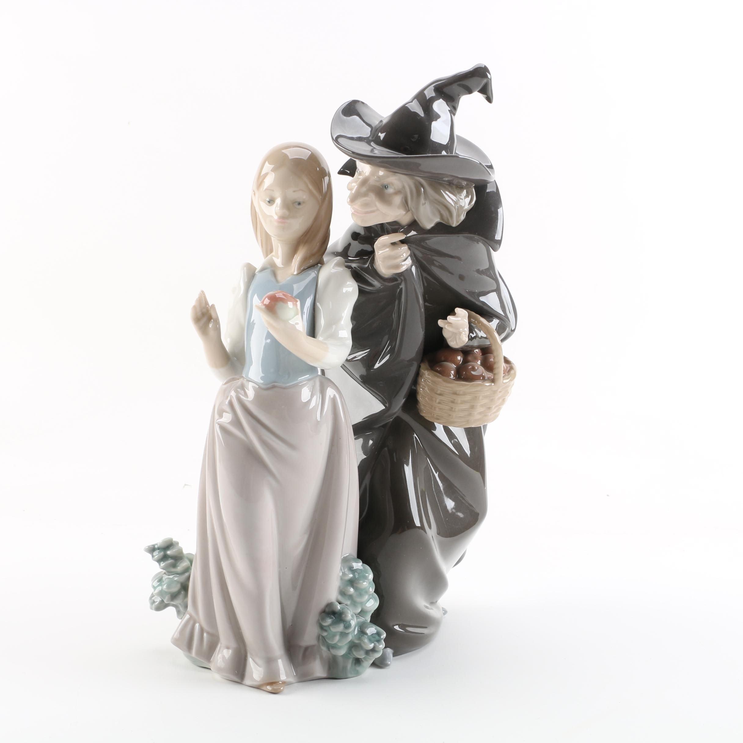 "1980s Lladró ""Snow White with Apple"" Porcelain Figurine"