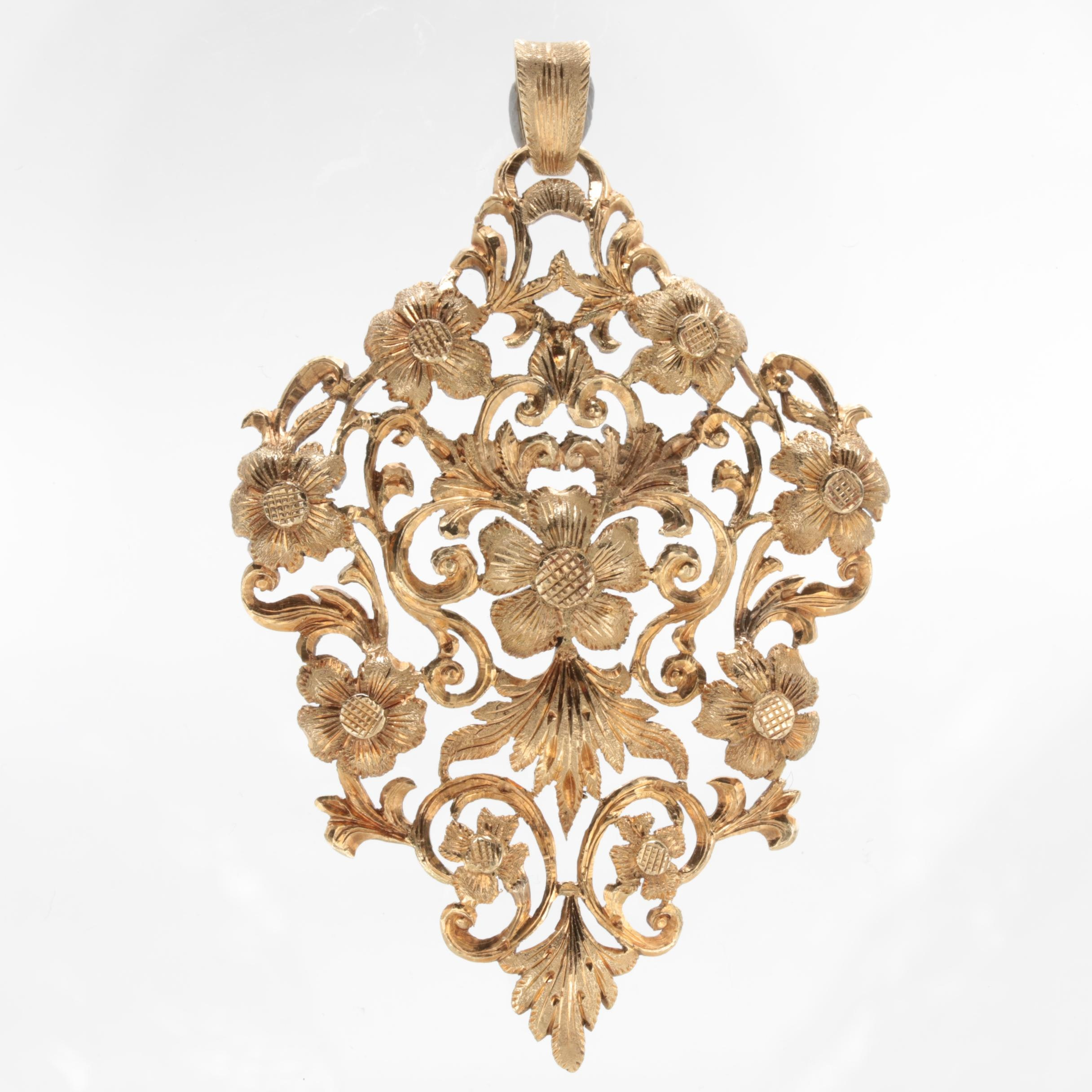 Vintage 18K Yellow Gold Floral Rococò Style Pendant