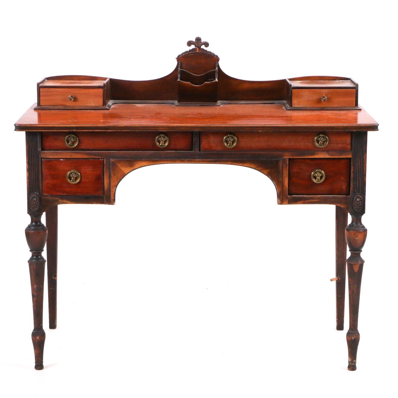 Federal Style Ladies Desk
