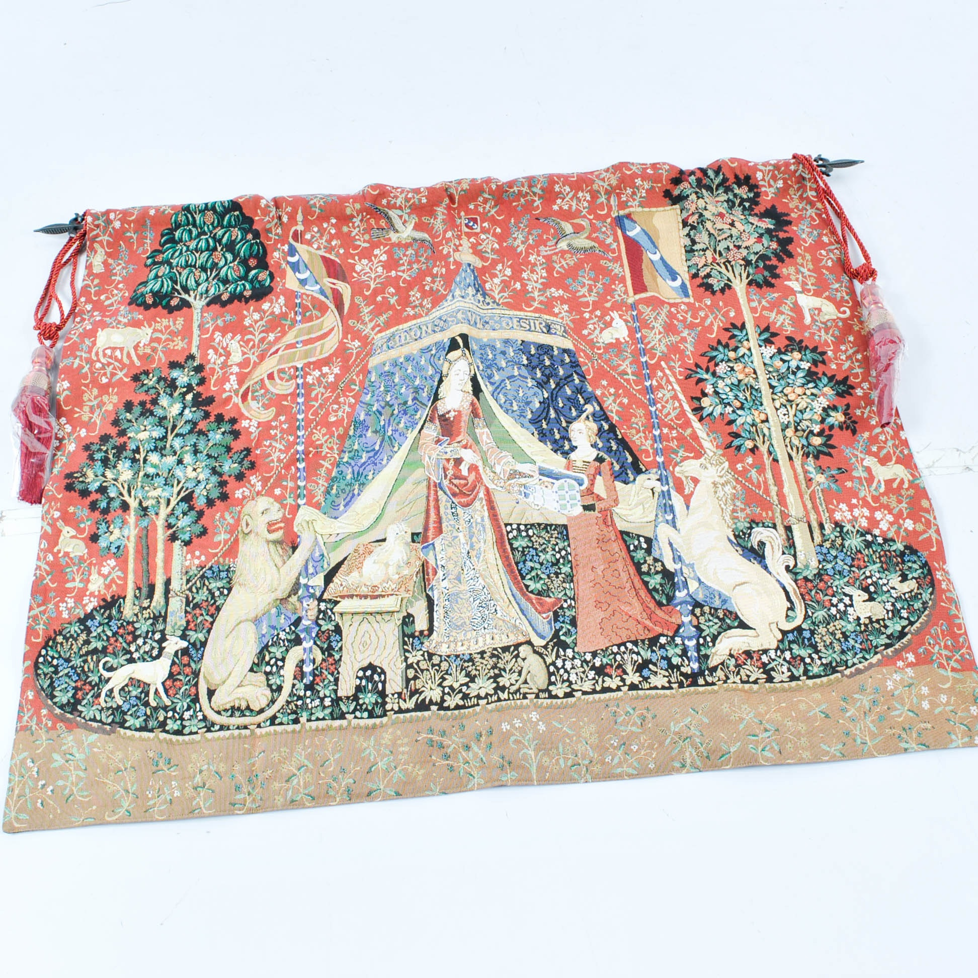 Machine Made Medieval Style Tapestry Lion and Unicorn