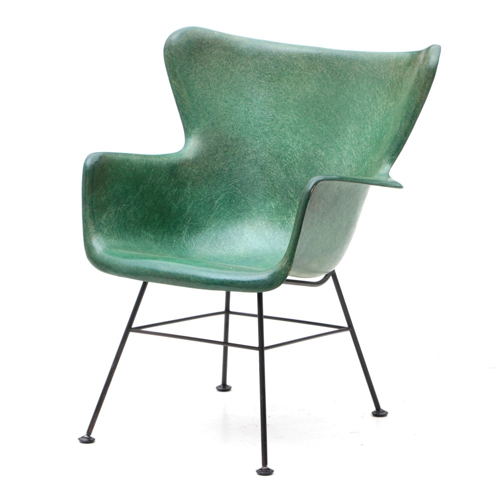 Superbe Mid Century Modern Fiberglass Chair After Lawrence Peabody ...