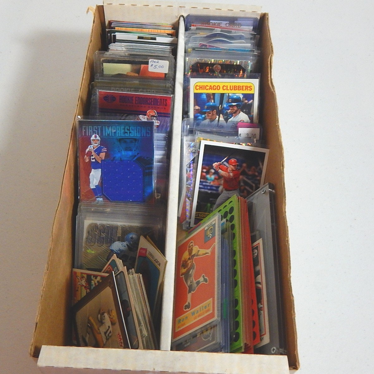 Box of Sports Cards - Few Hundred Cards