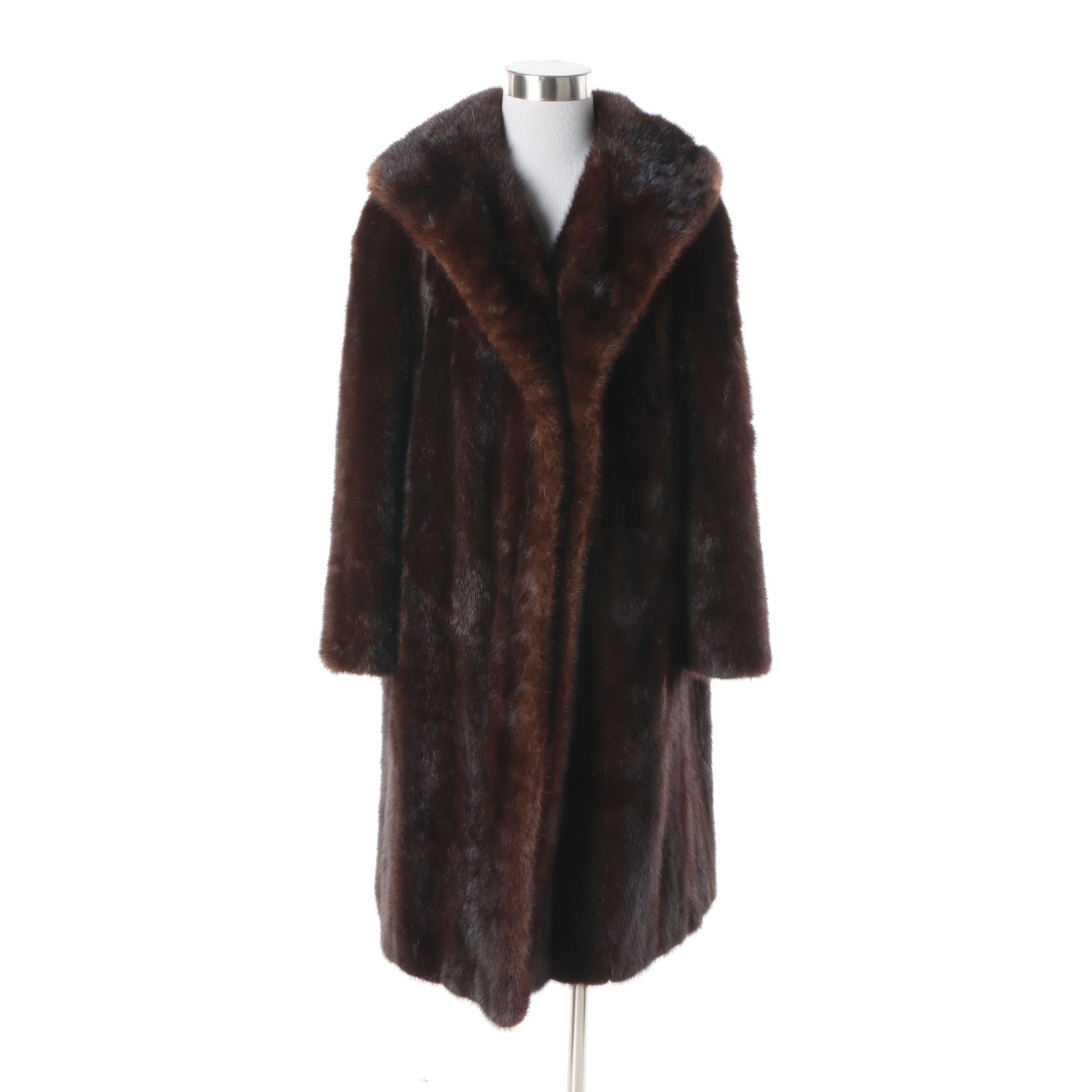 Women's Circa 1960s Vintage Dark Mahogany Brown Mink Fur Coat