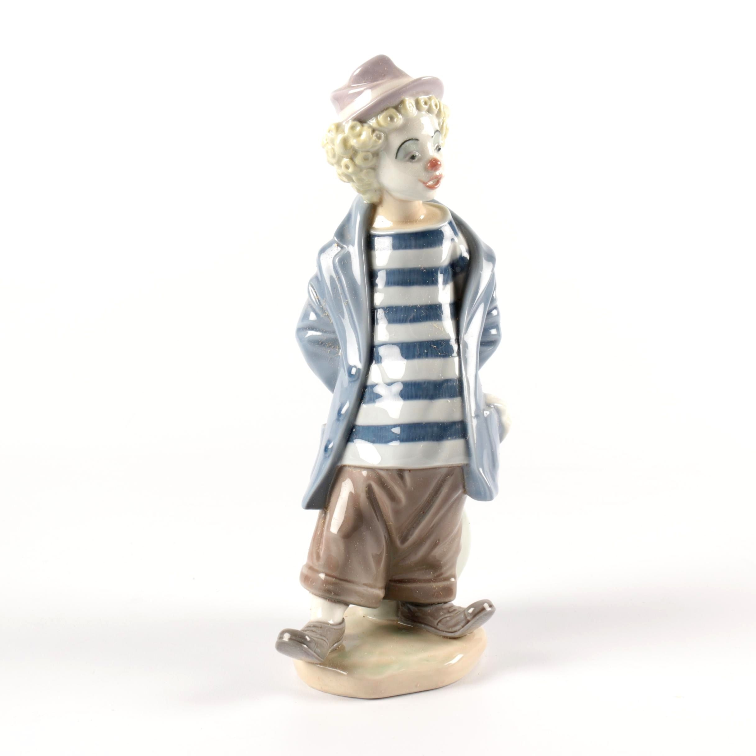 "1985 Lladró Collectors Society ""Little Traveler"" Porcelain Figurine"