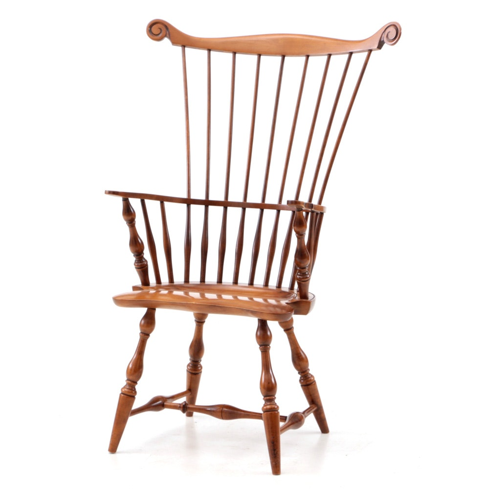 Comb Back Windsor Style Arm Chair