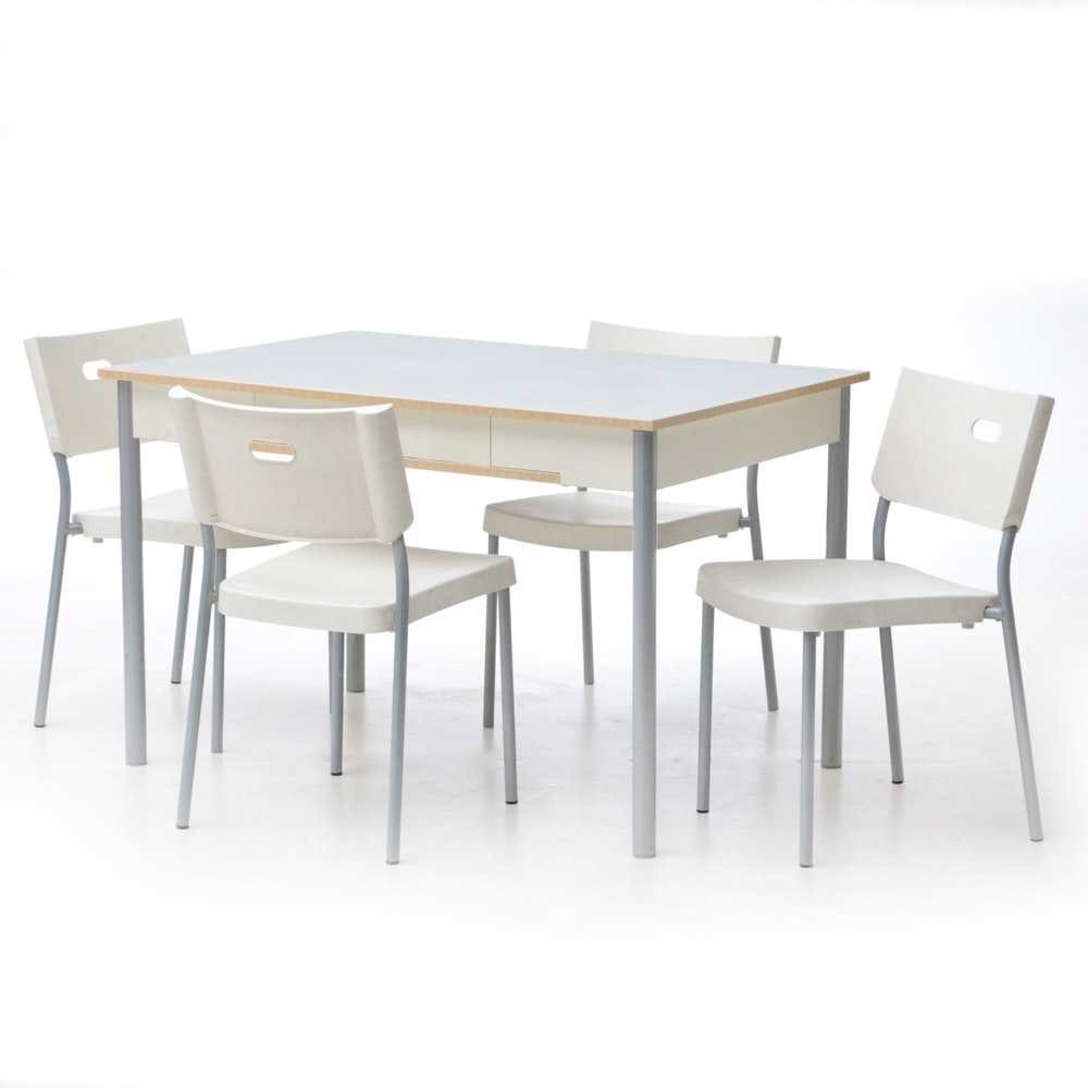 Dinette Set in White and Grey