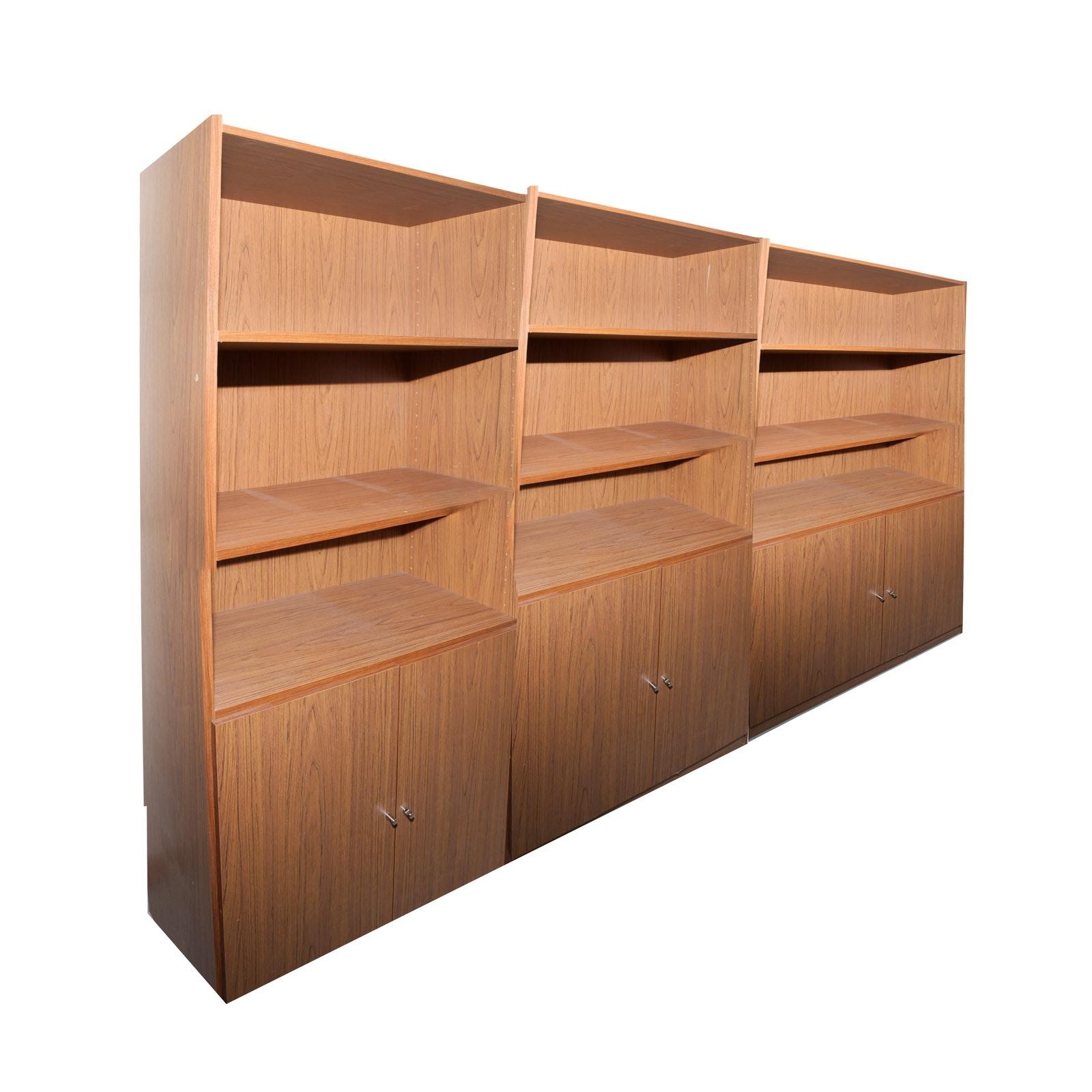 Grouping of Bookshelves