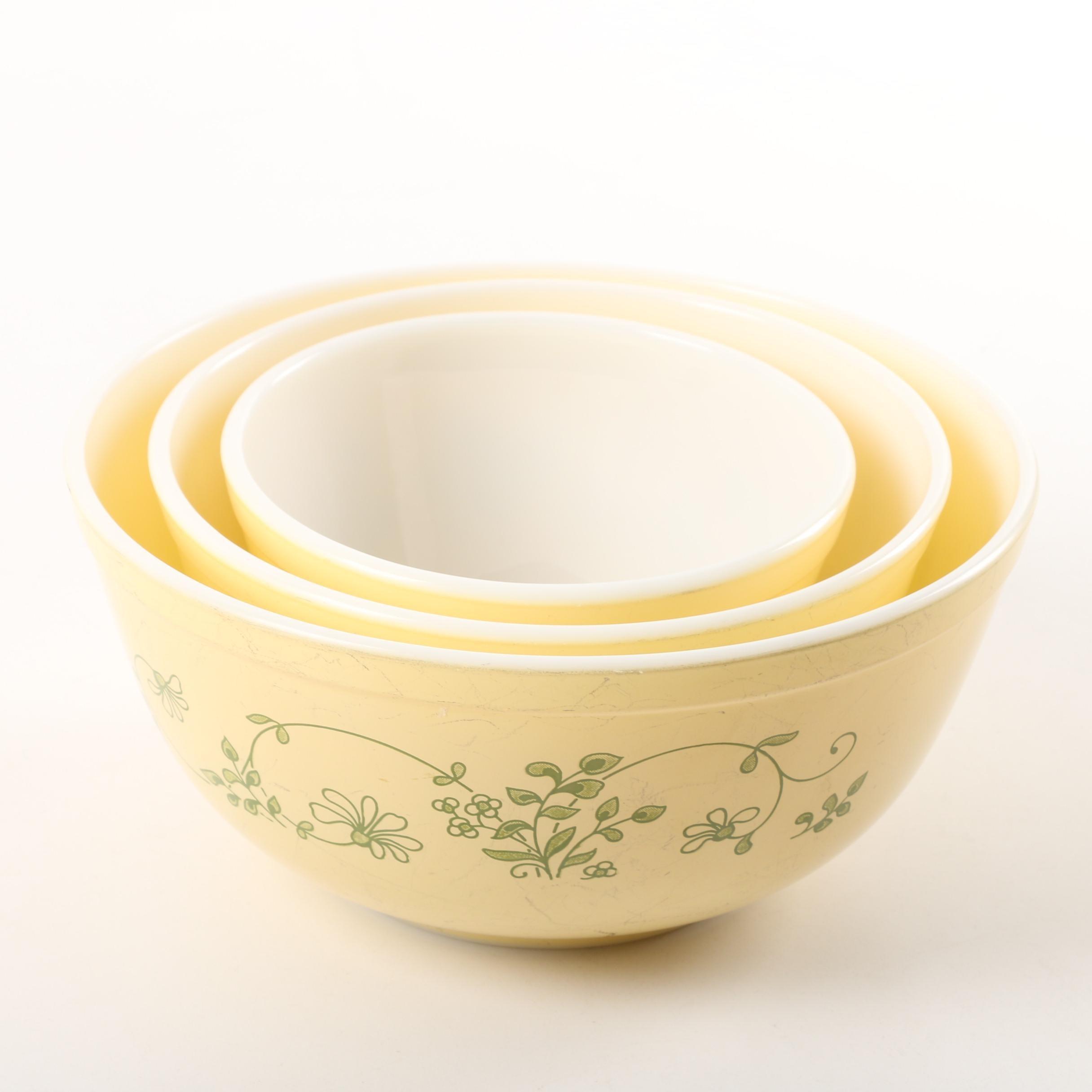 "Pyrex ""Shenandoah"" Nesting Mixing Bowls"