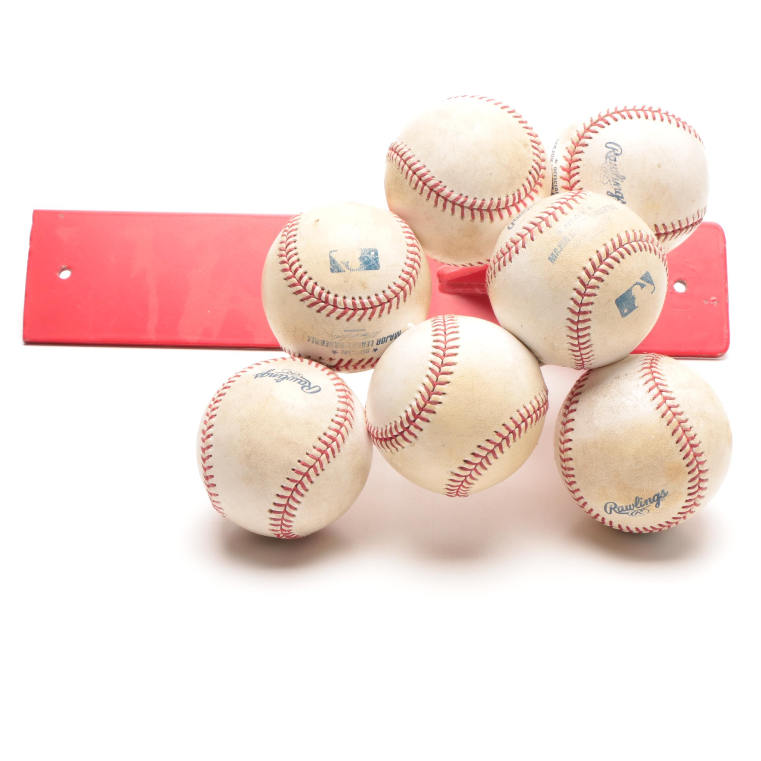 "Johnny Bench Reds Hall of Fame ""Holding 7 Baseballs"" Display Exhibit COA"