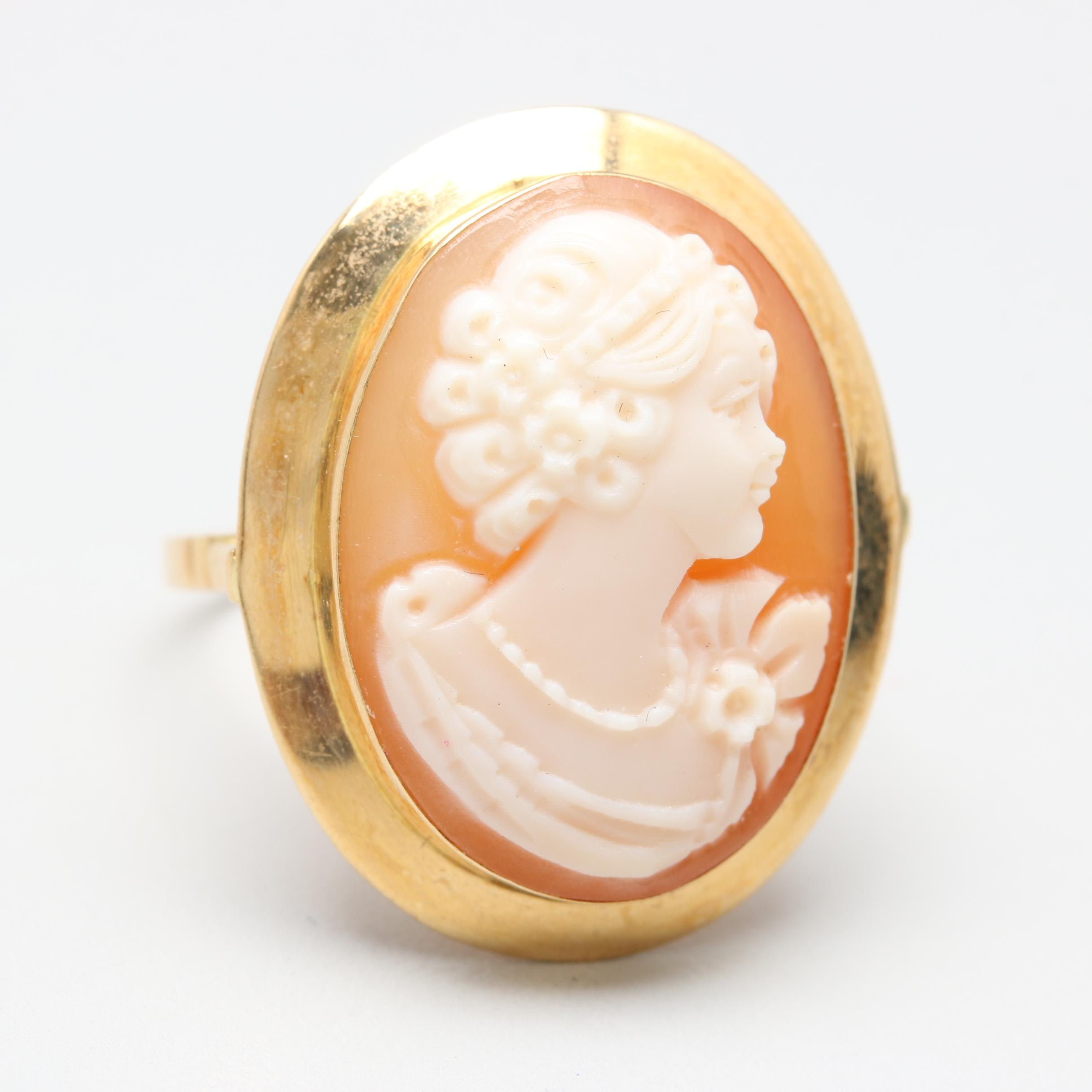 1930s 18K Yellow Gold Shell Cameo Ring