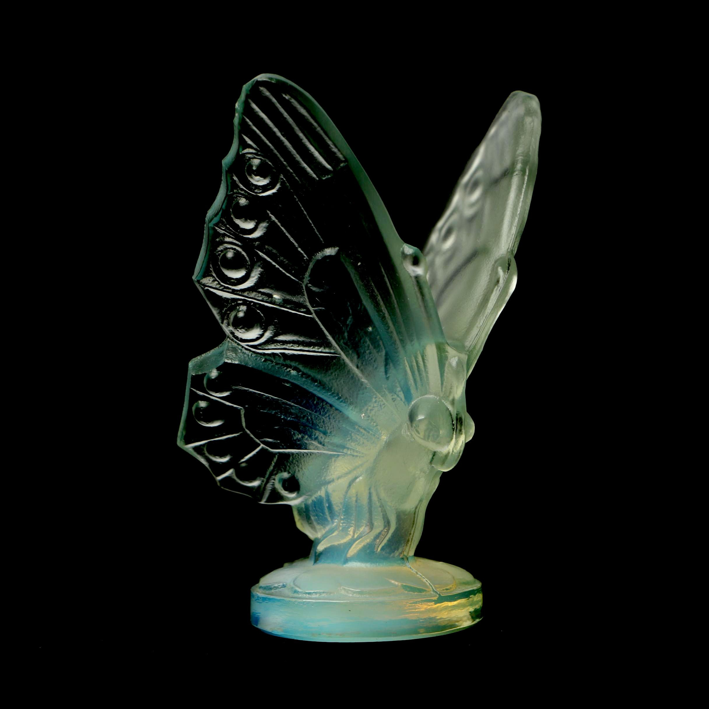 Sabino Opalescent Art Glass Butterfly Figurine