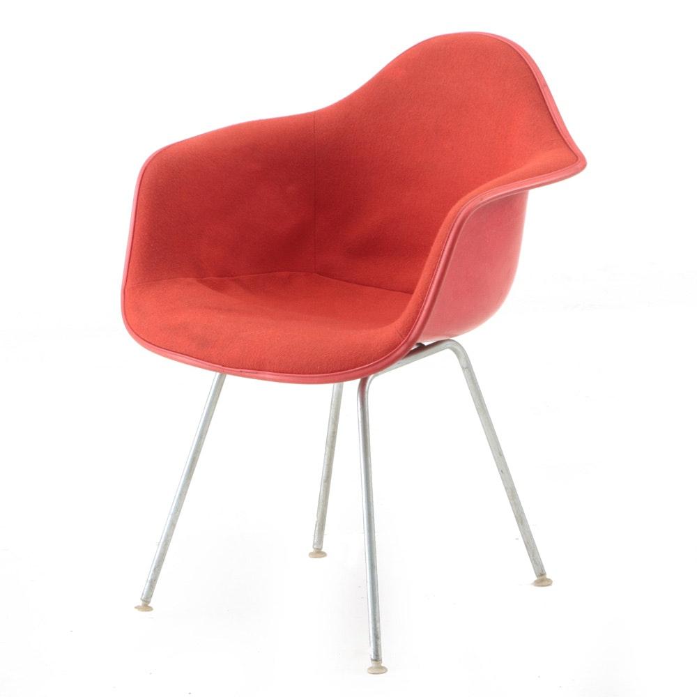Herman Miller Fiberglass and Wool Upholstered Eames Shell Chair