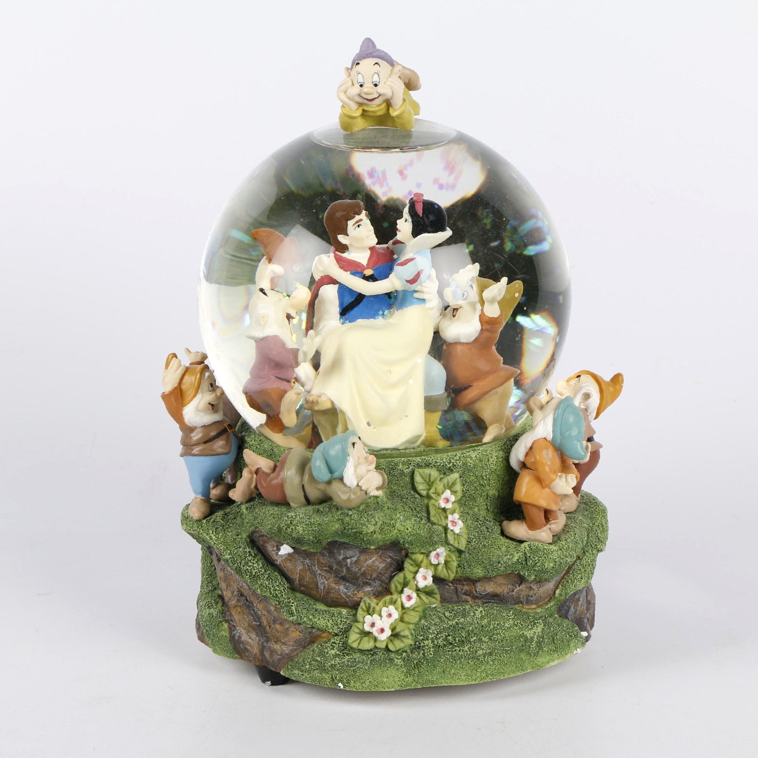 "Disney ""Snow White and the Seven Dwarfs"" Musical Snow Globe"